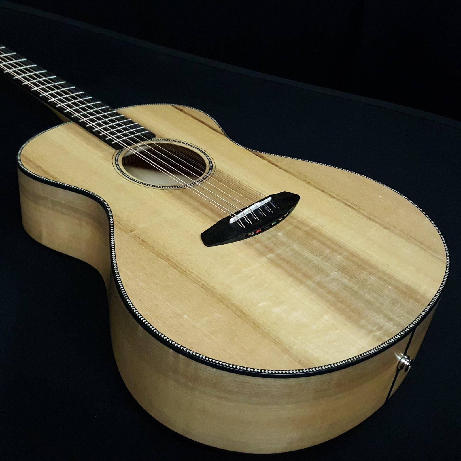 Breedlove Oregon Concert E Myrtlewood 12 String with Case