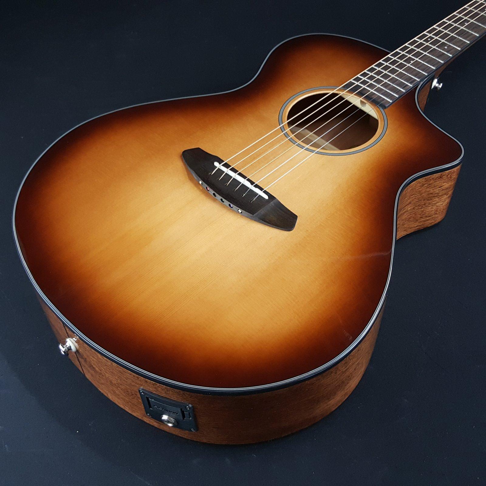 Breedlove Discovery Concert CE Electric Acoustic Guitar Sunburst