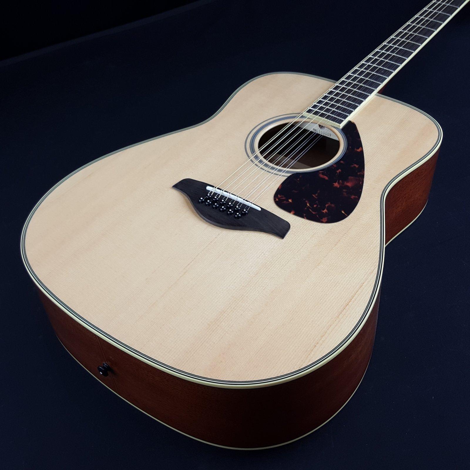 Yamaha FG820-12 Dreadnought 12-String Acoustic Guitar Natural Spruce