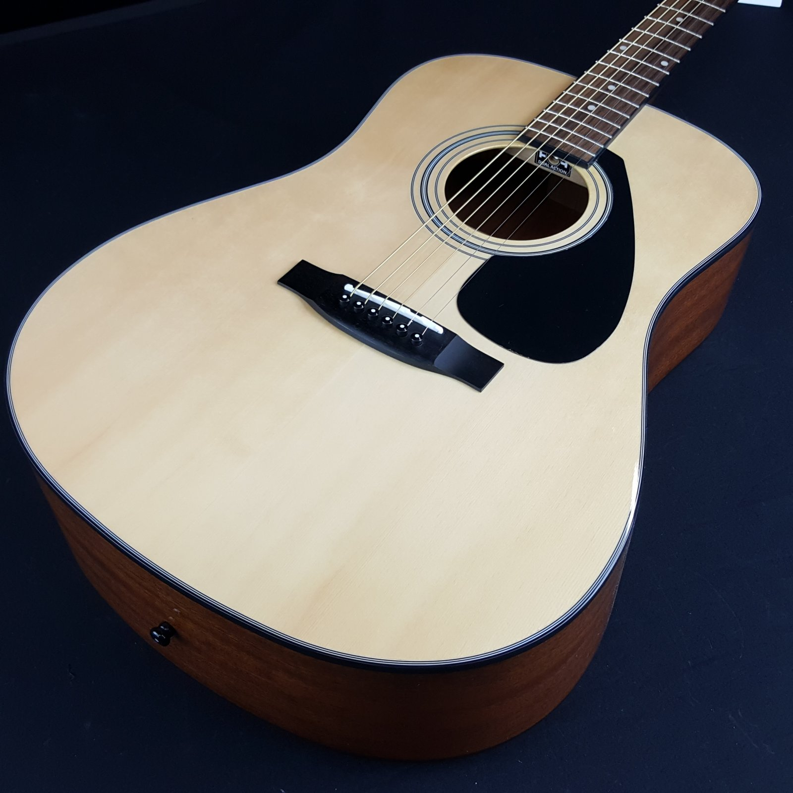 Yamaha Gigmaker Acoustic Guitar Package