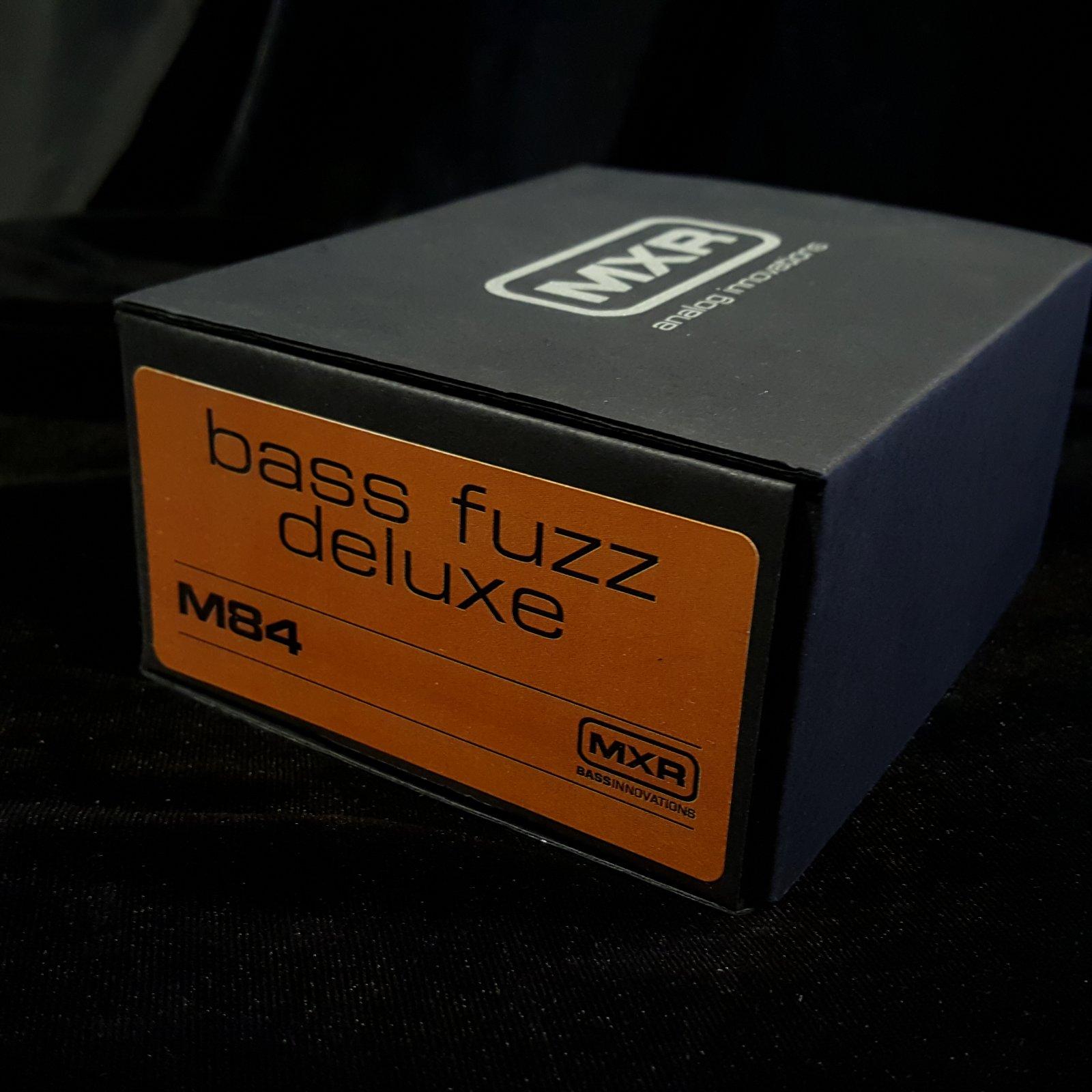 MXR M84 Bass Fuzz Deluxe Bass Effects Pedal