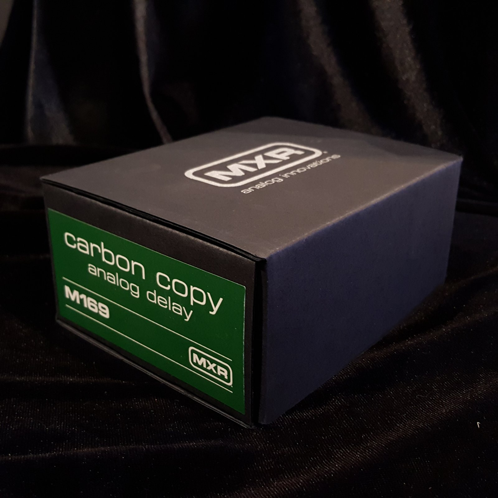 MXR M169 Carbon Copy Analog Delay Effects Pedal