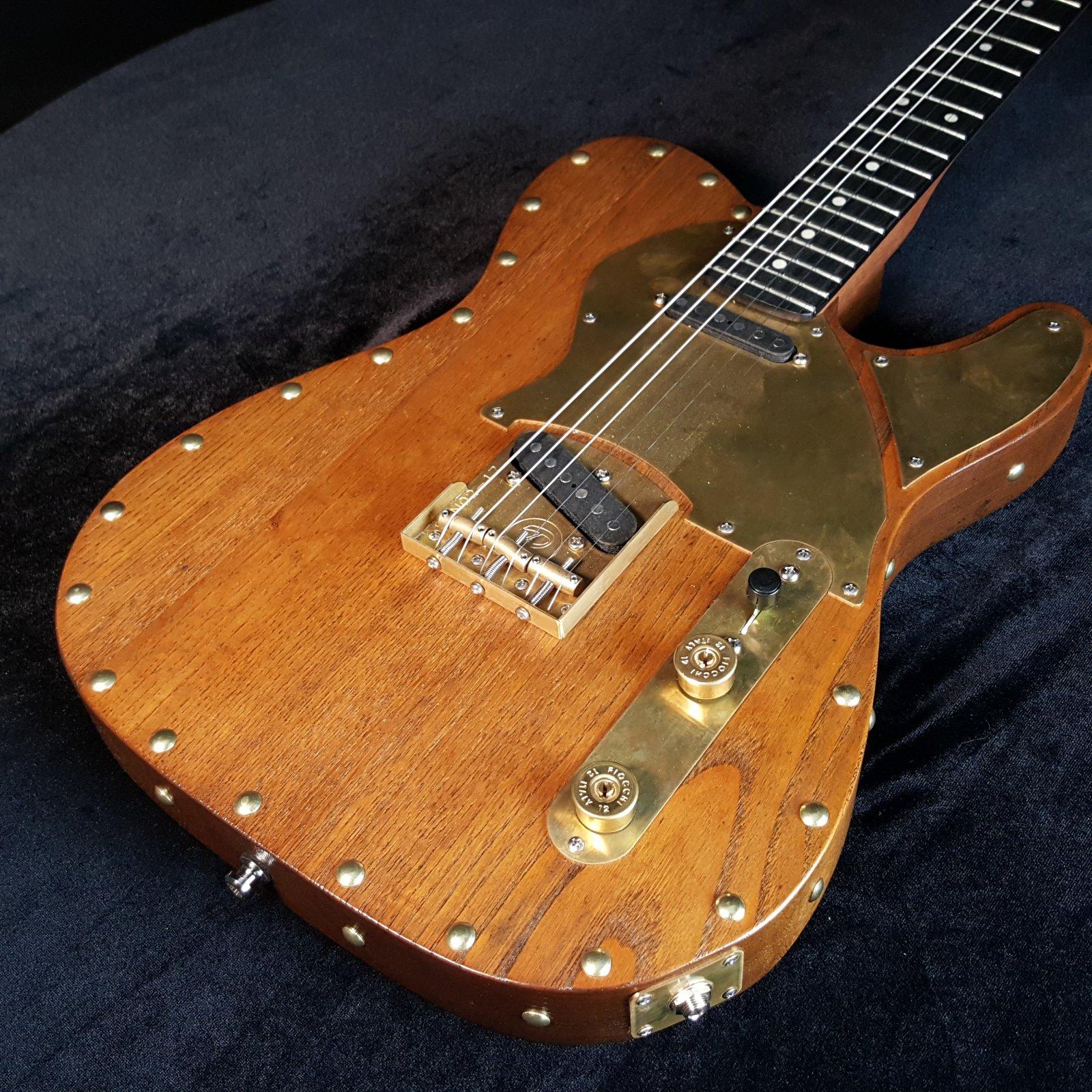 Paoletti Nancy Wine Series SS Electric Guitar w/ Case Display