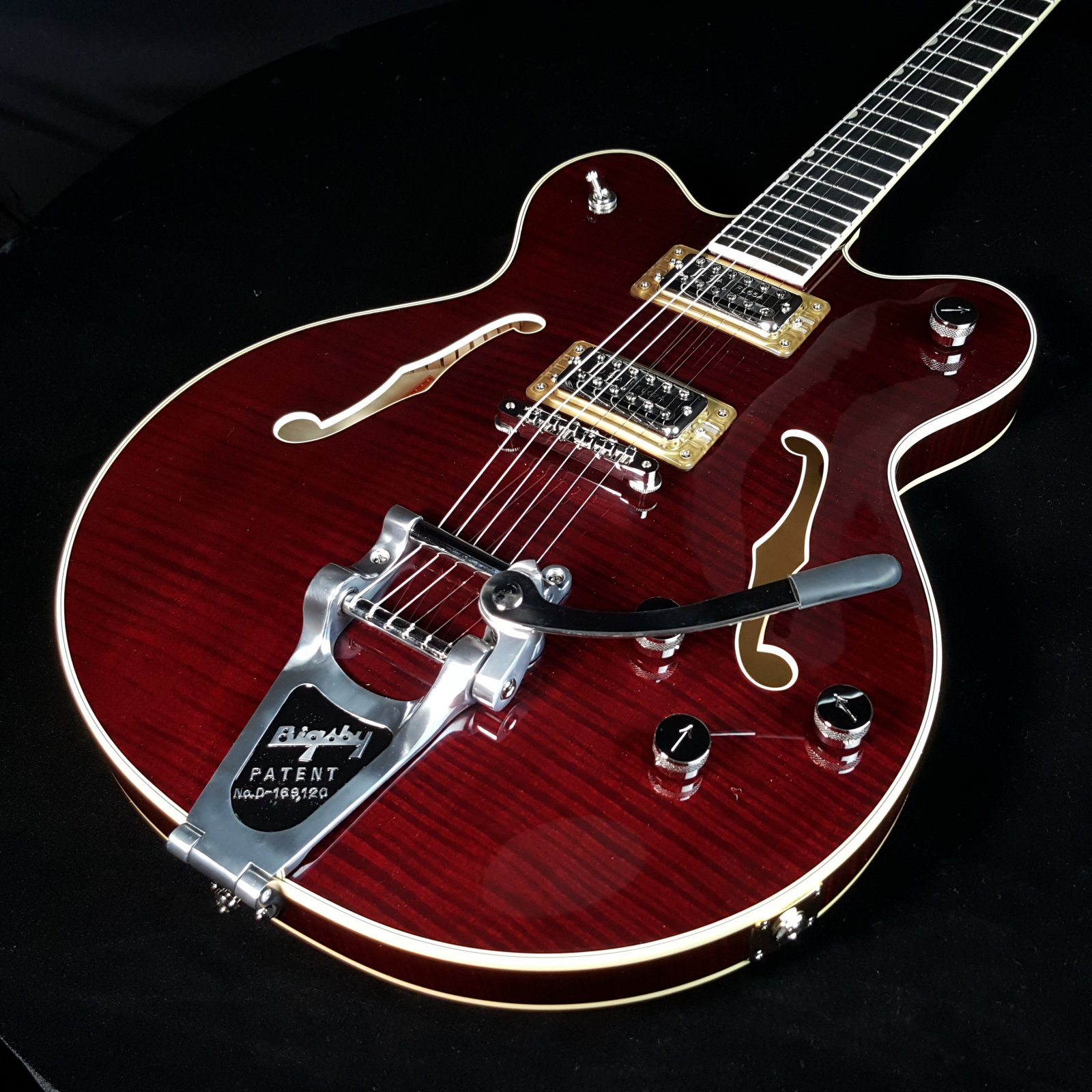 2017 Gretsch G6609TFM Players Limited Edition Broadkaster Cherry with Case