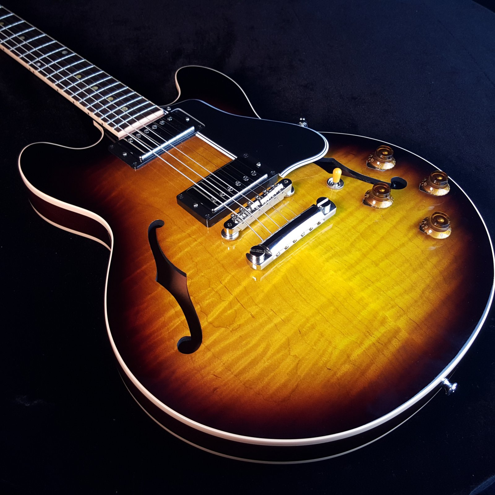 1985118ae81 Used Gibson Custom Shop CS-336 CS336 Figured Top Sunburst w/ hard Case