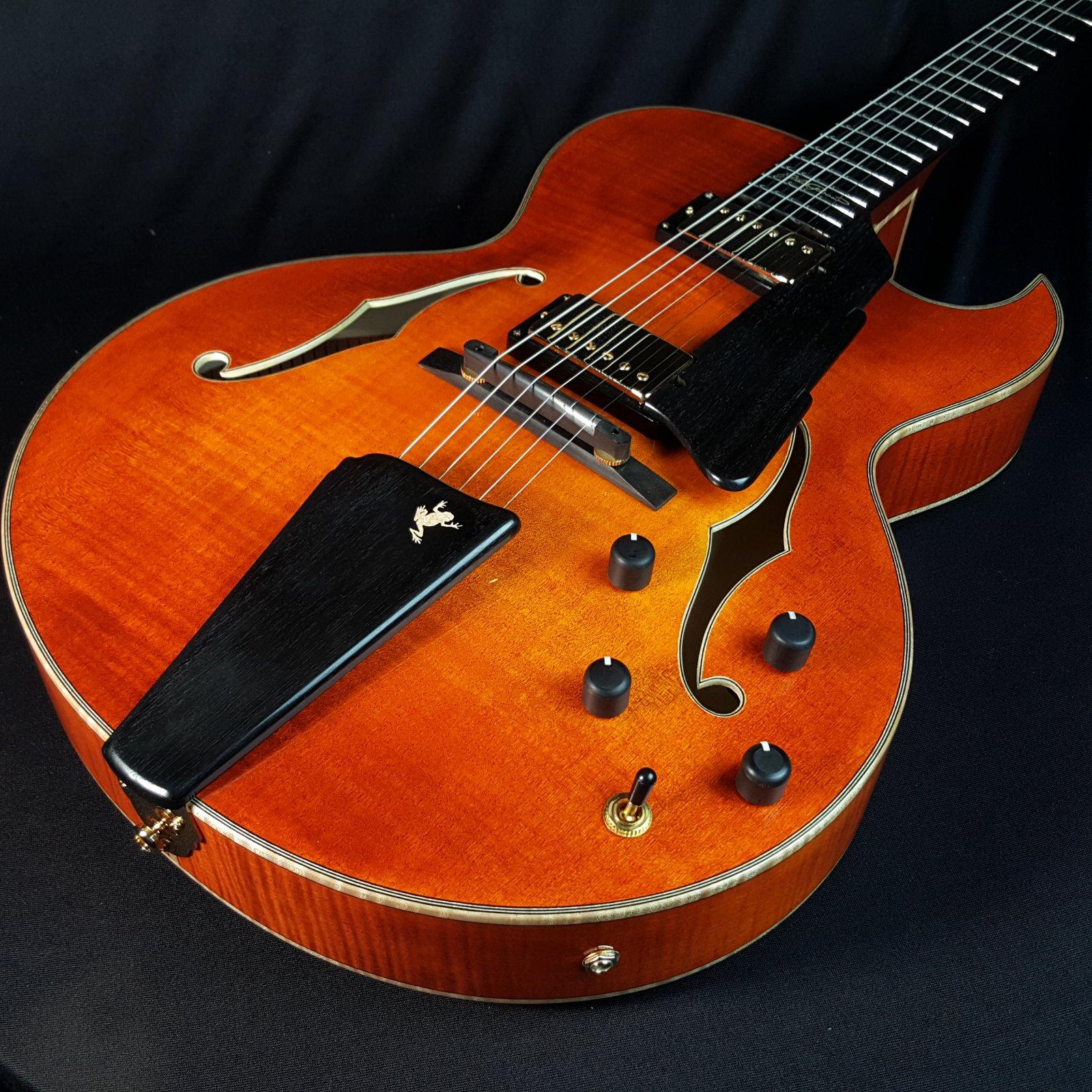 Eastman AR380CE Honey Burst Archtop Guitar With Case