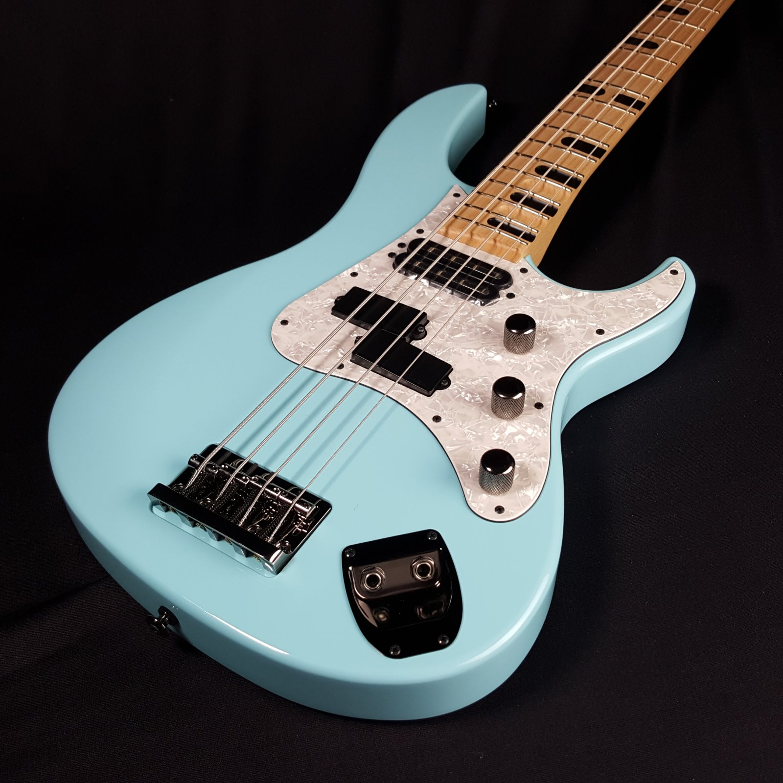 Yamaha Billy Sheehan Signature Attitude III Bass Sonic Blue with case