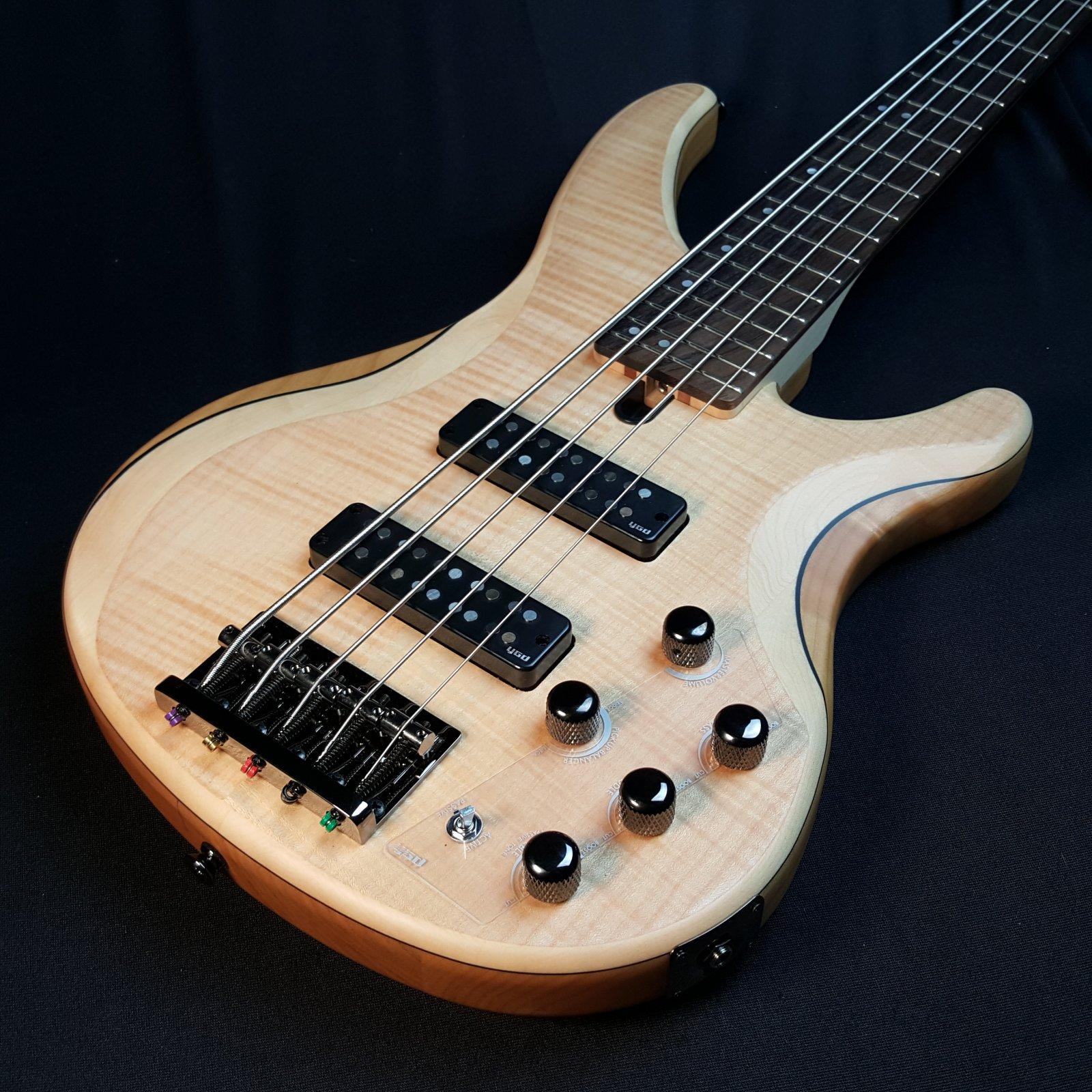 Yamaha TRBX605FM 5 String Bass Natural