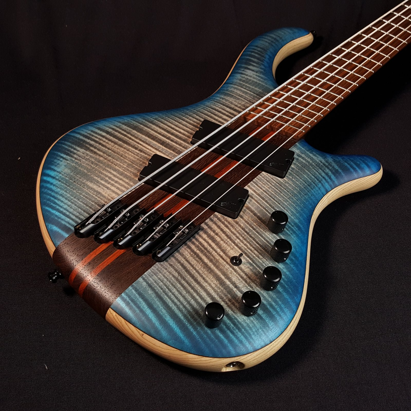 Mayones Patriot 5 Classic V-Fan Fret Aguilar Flame Maple Bass