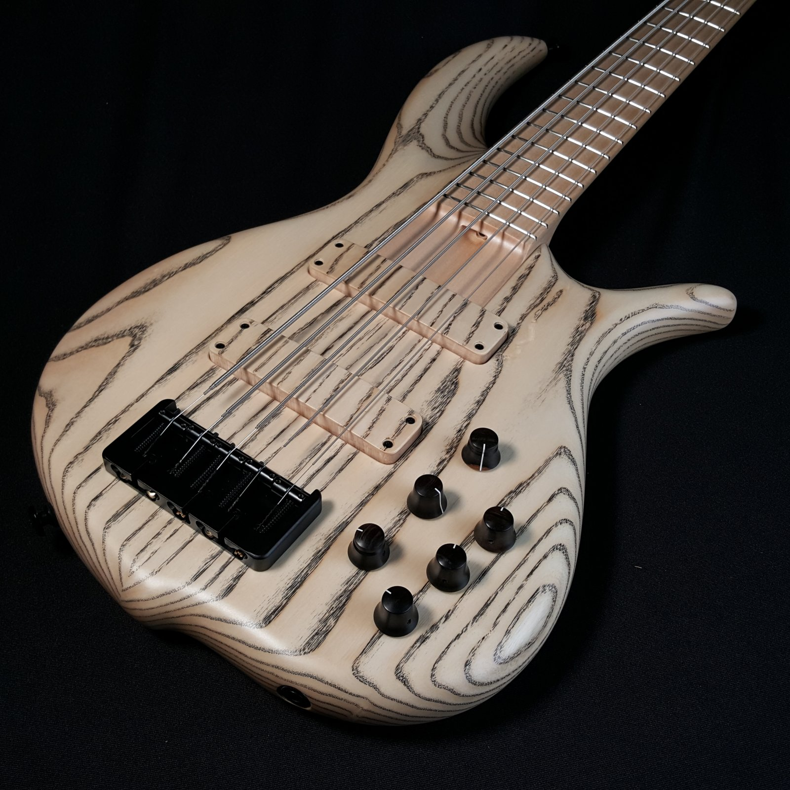 F Bass BN5 Ash Maple Board Natural Satin 5 String with Bag