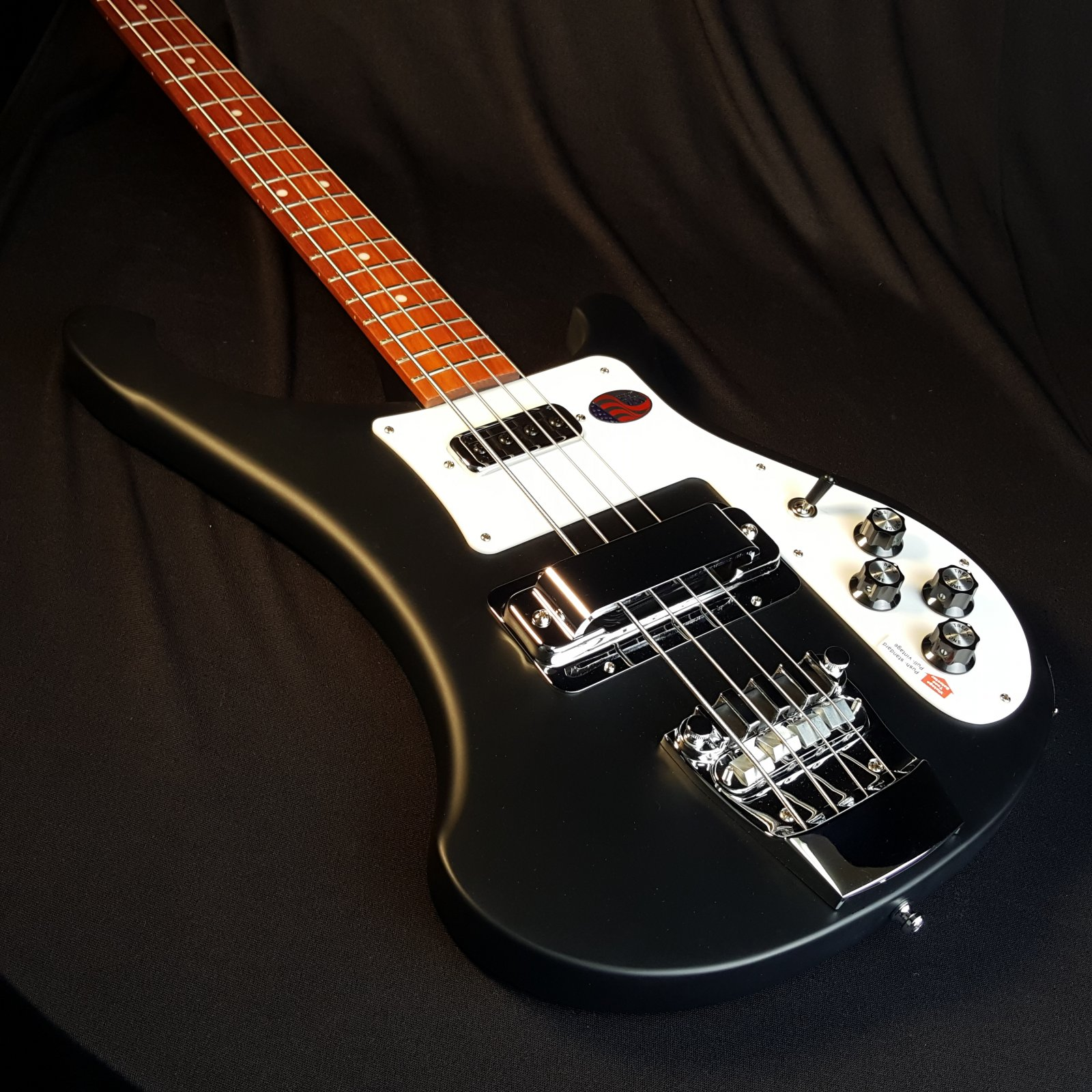 Rickenbacker 4003S Bass Matte Black Maple Body with Case
