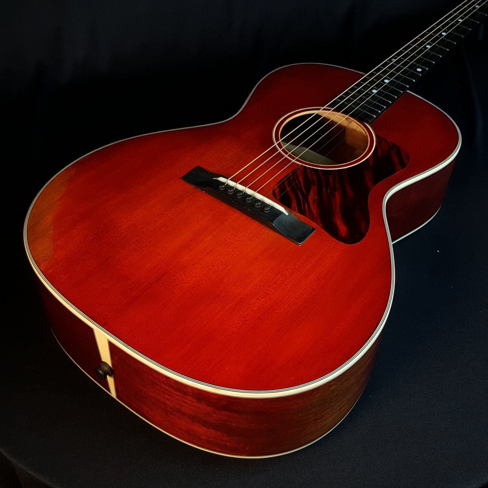 Eastman E10OOSS/V Antique Varnish Finish Acoustic Guitar 0318