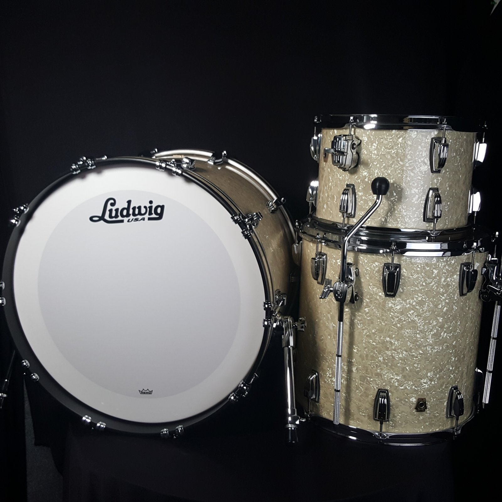 Ludwig Classic Maple Fab 3 Piece Shell Pack Vintage White Marine Pearl L84233AXNMWC