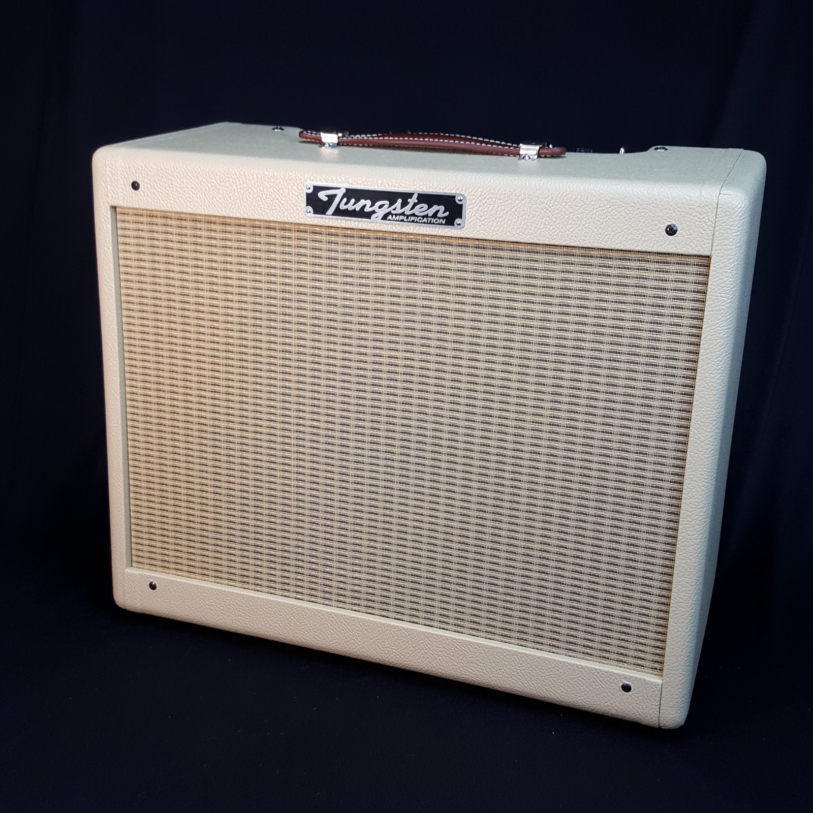 USED Tungsten Crema Wheat Electric Guitar Tube Combo w/ Scumback M75 Speaker