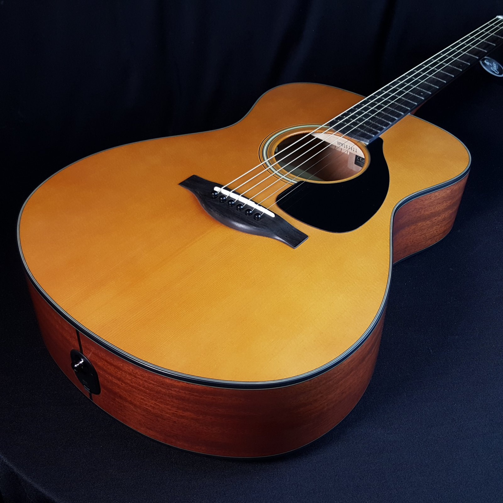 Yamaha FSX3 Acoustic Electric Guitar w/Bag