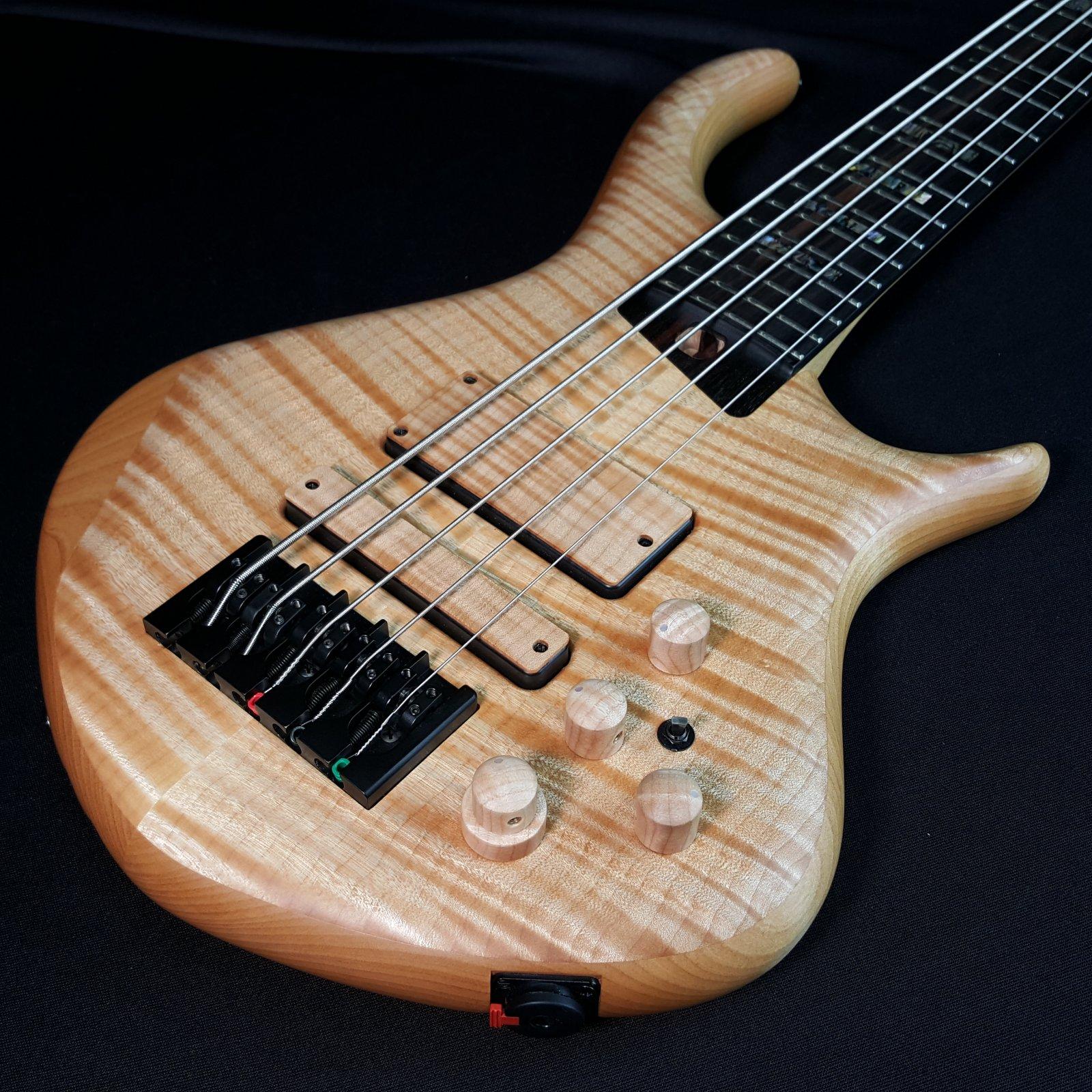 Used Warrior Dran Michael 2018 5 String Bass w/Mooradian Gig Bag 8lb 10oz