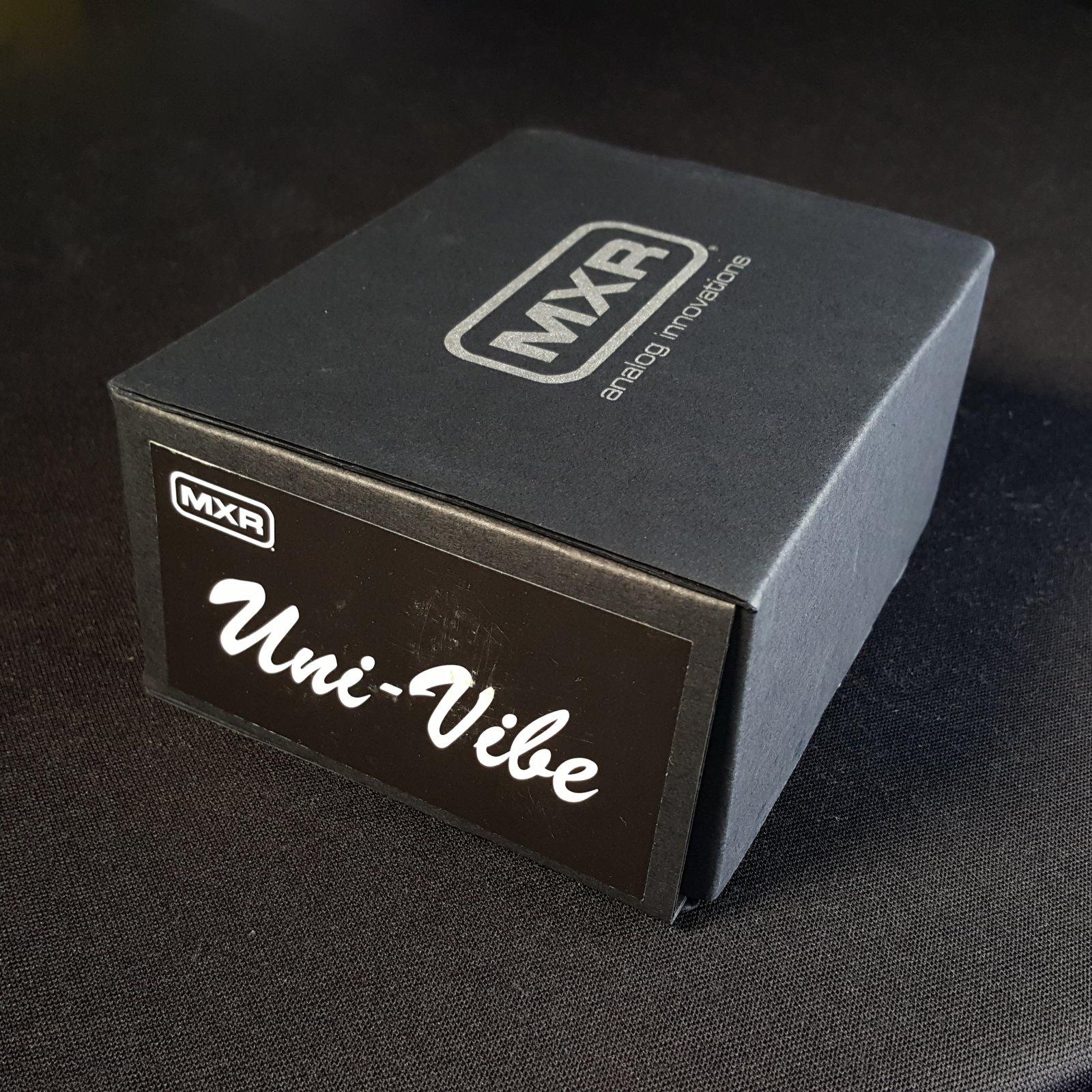 MXR M-68 Univibe Chorus Vibrato Effects Pedal