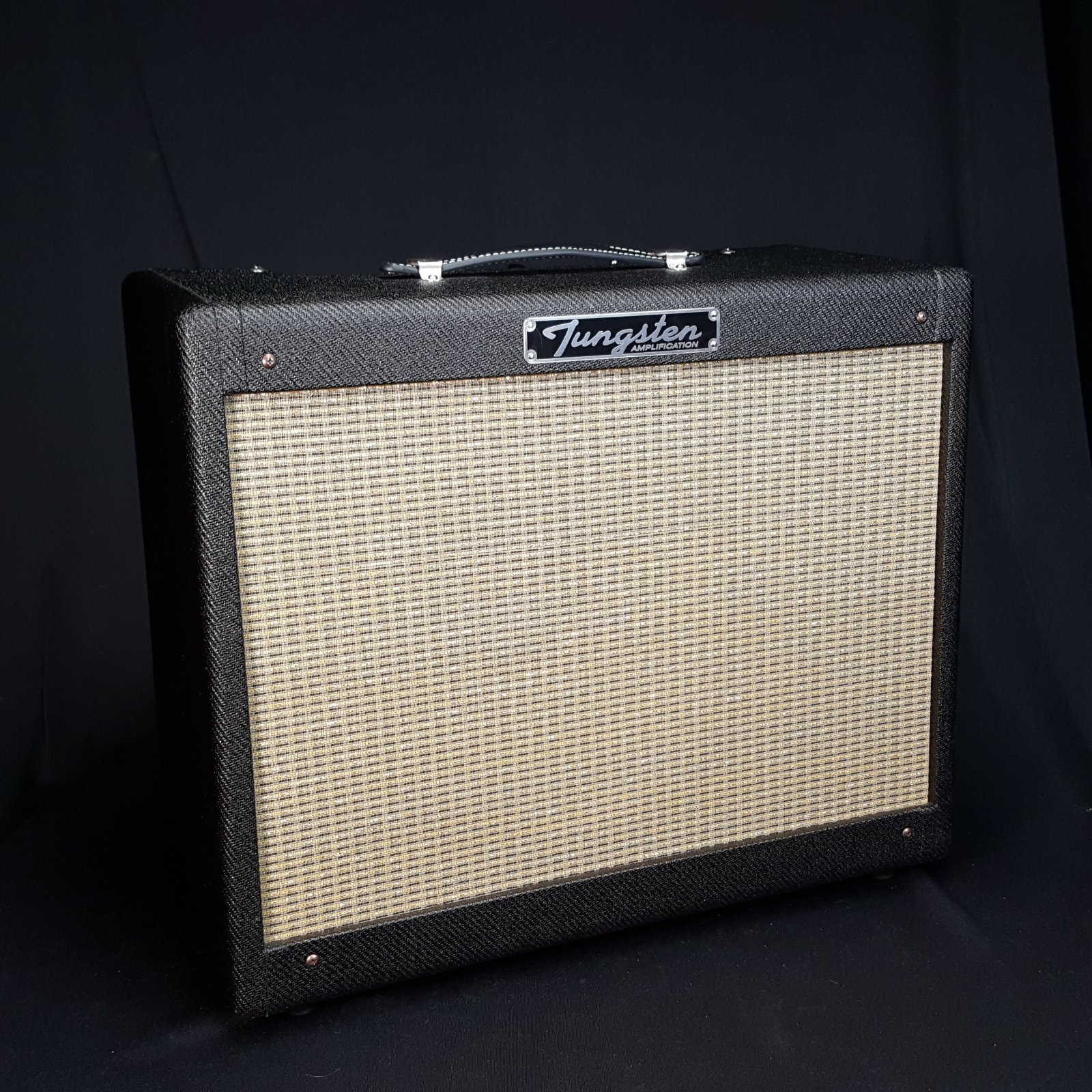 USED Tungsten Oxnard 12 Electric Guitar Amplifier w/ Cover
