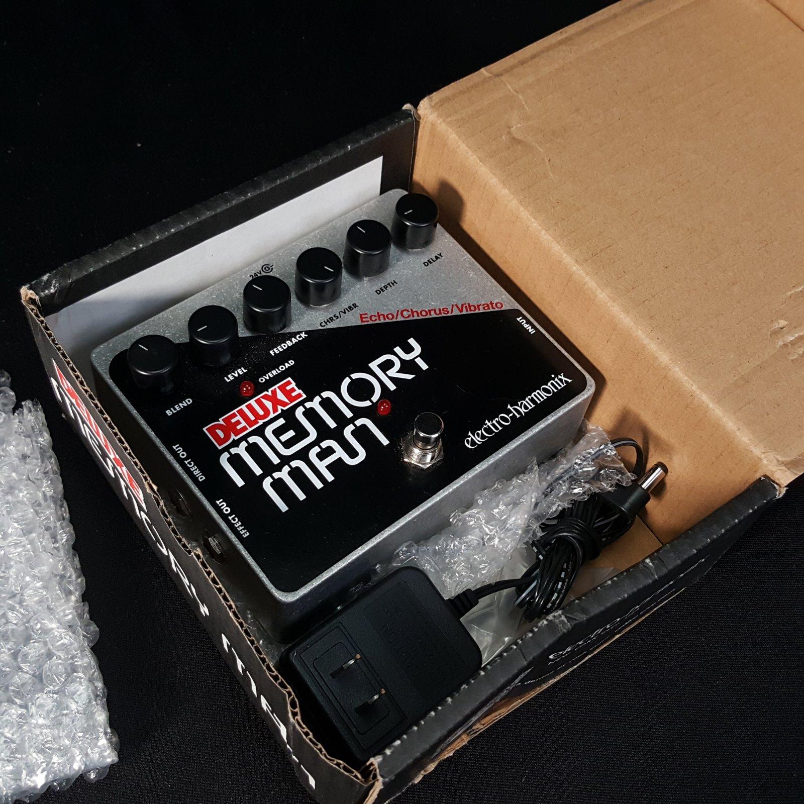 Used Electro Harmonix Deluxe Memory Man w/Original Box and Power Supply