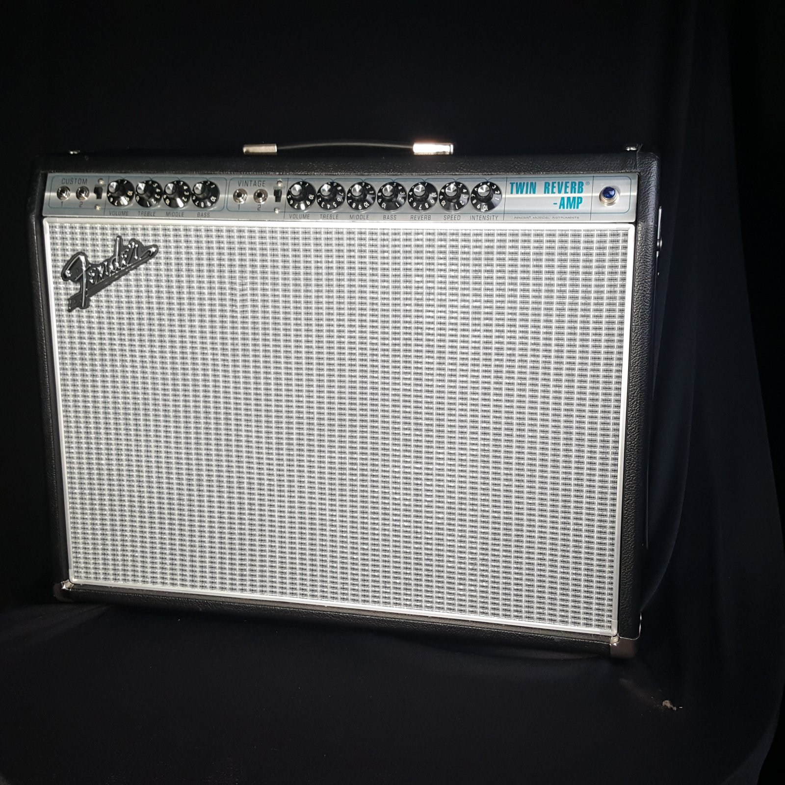USED Fender '68 Custom Twin Reverb Reissue Silverface 2x12'' Guitar Amplifier
