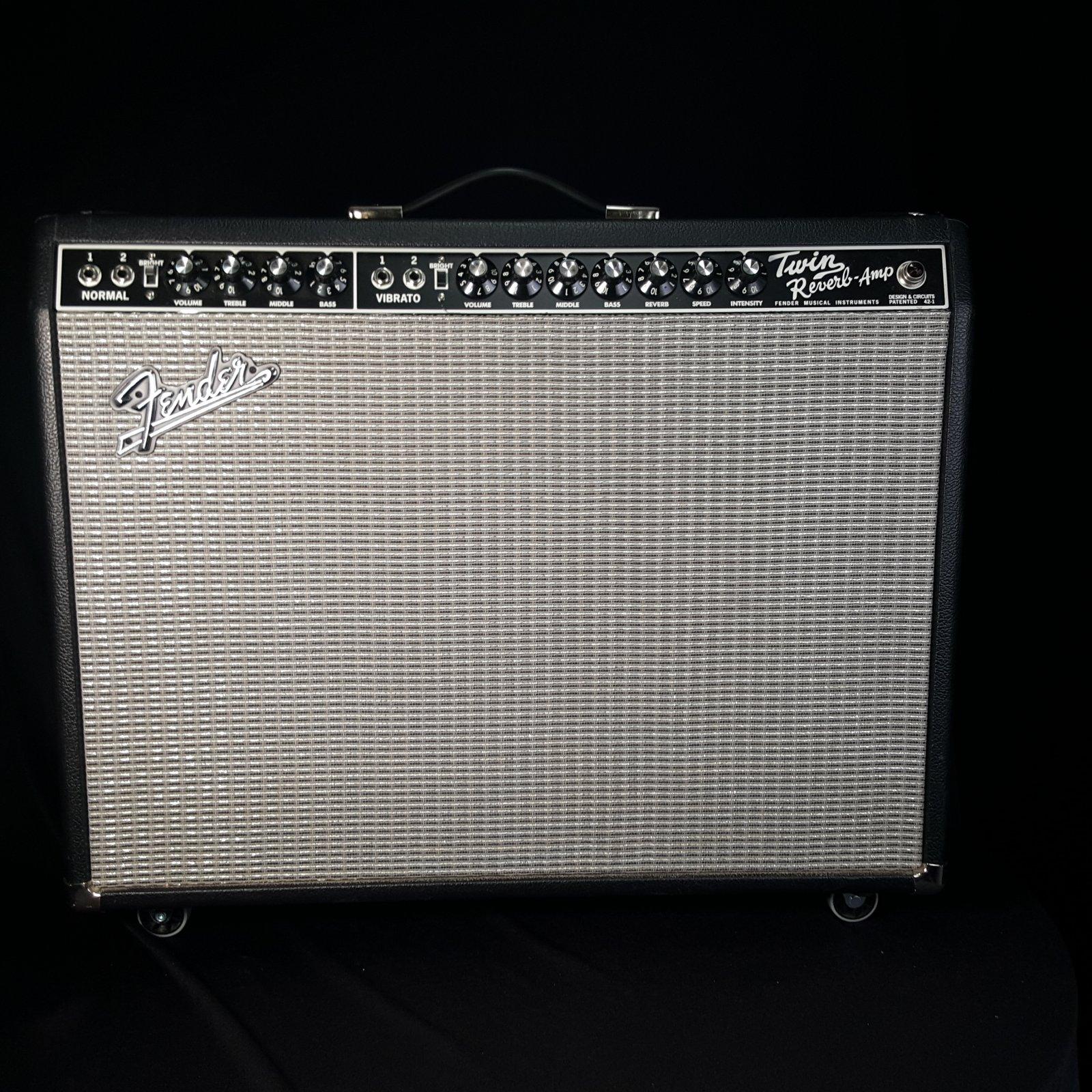USED Fender '65 Reissue Twin Reverb Amplifier Black Face w/wheels 2x12