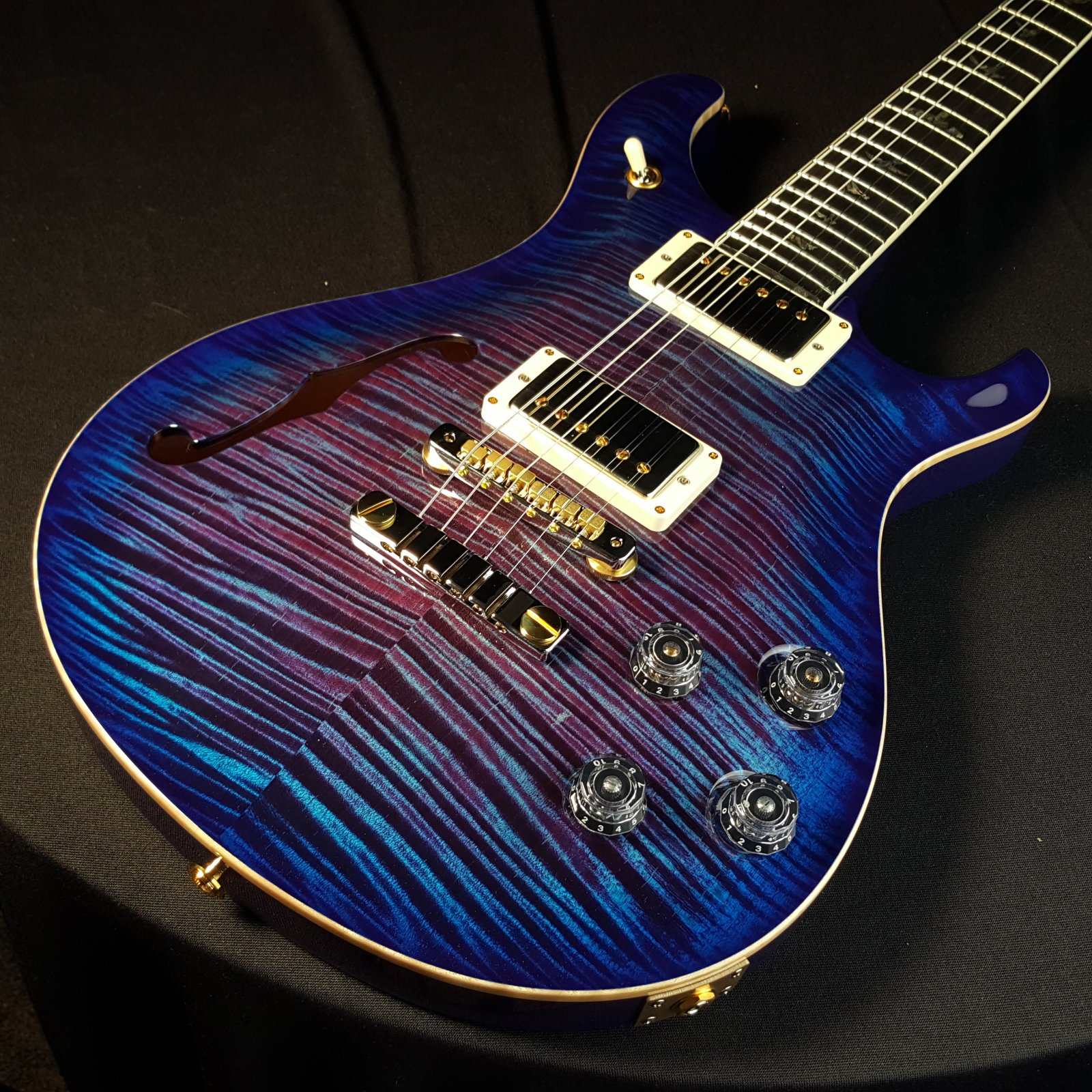 Paul Reed Smith CUSTOM PRS McCarty 594 Semi Hollow Body Artist Package Violet Blueburst