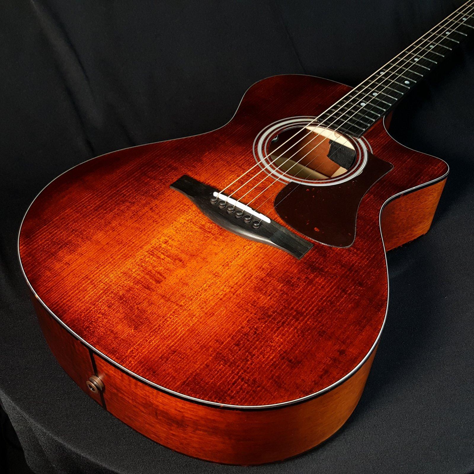 Eastman AC108CE-LTD Acoustic Electric Guitar w/Bag