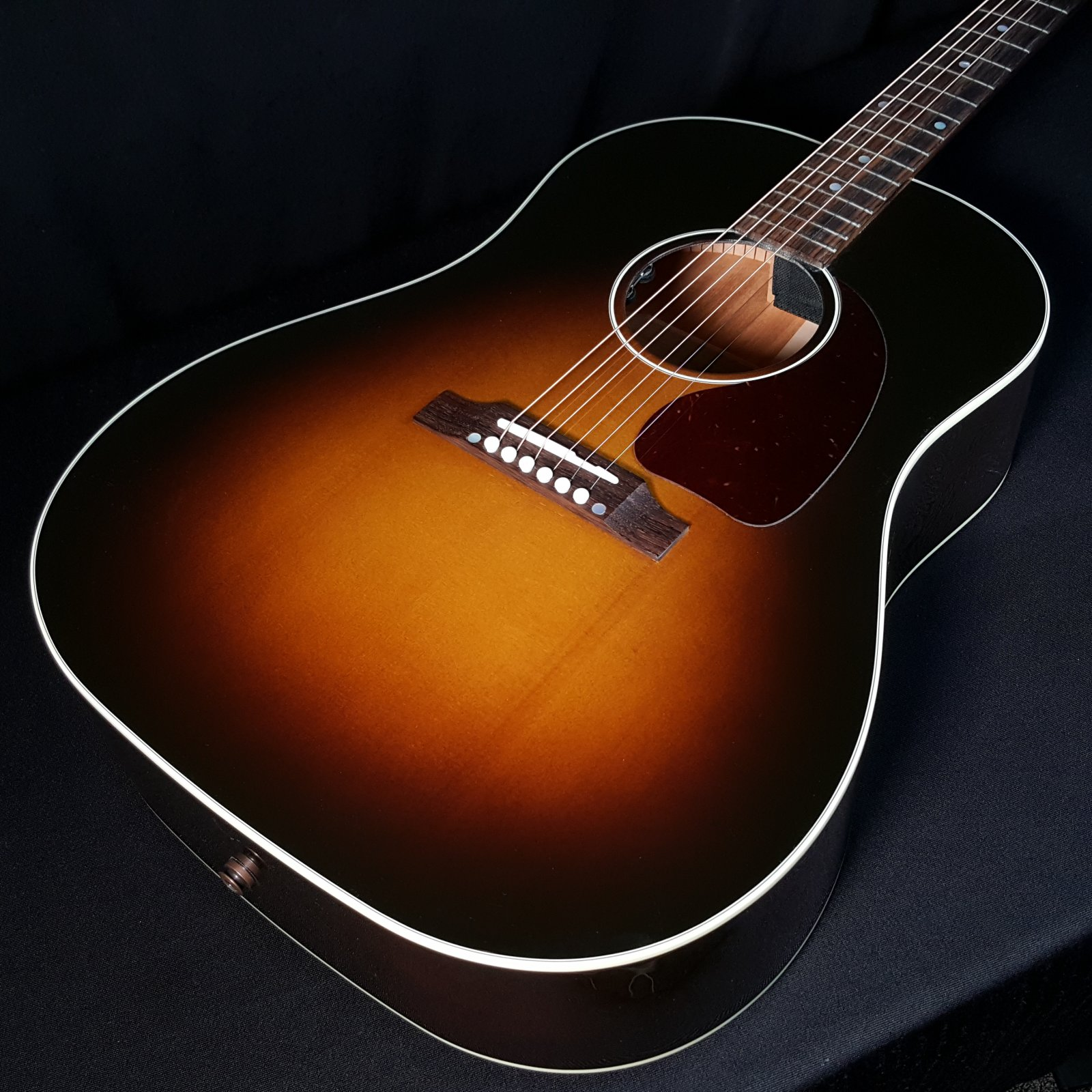 Gibson J45 Standard Acoustic Electric Guitar with Hardshell Case