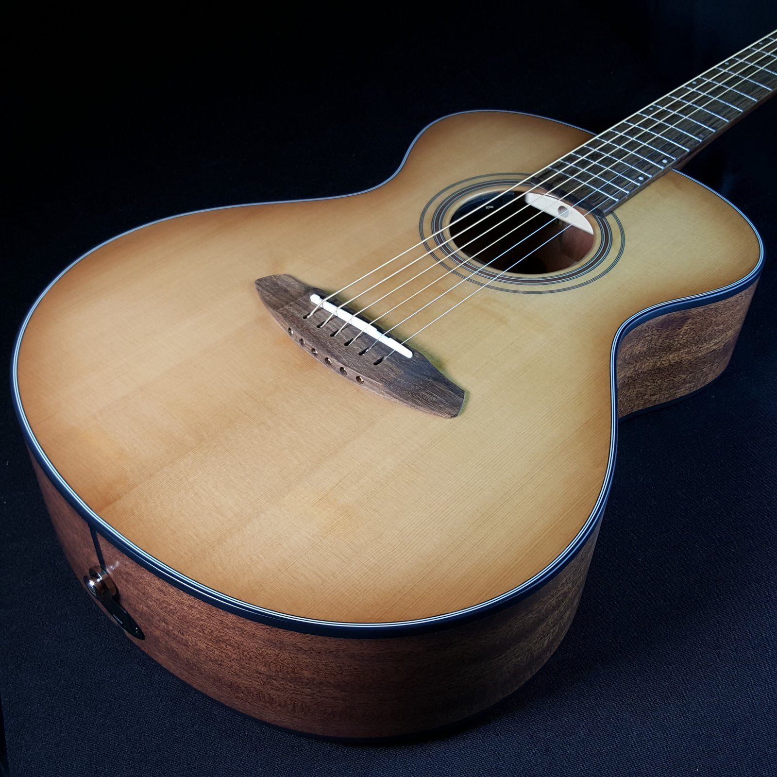 Breedlove Organic Collection Signature Companion Copper E All Solid Woods