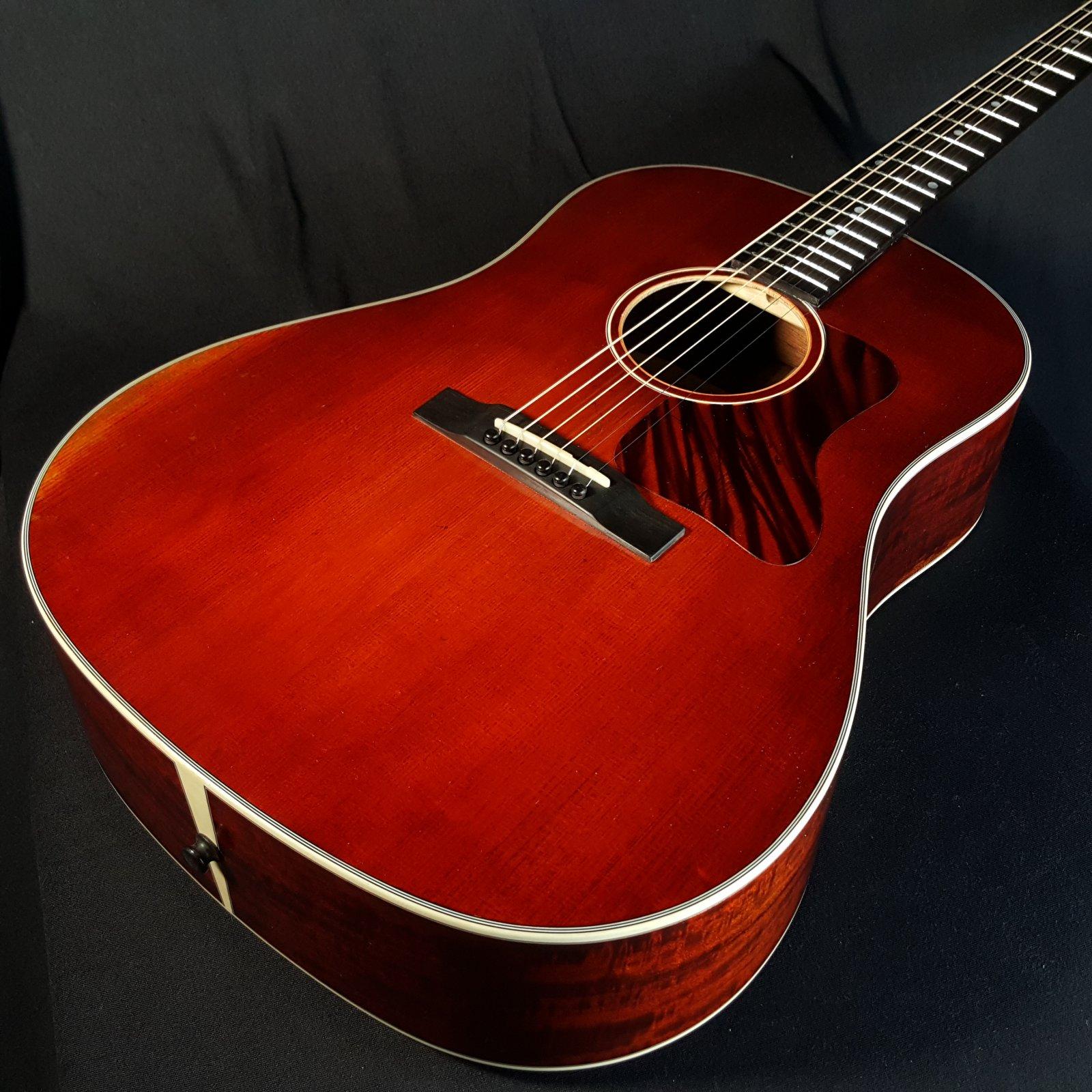 Eastman E10SS/V Antique Varnish Finish Dreadnought Acoustic Guitar