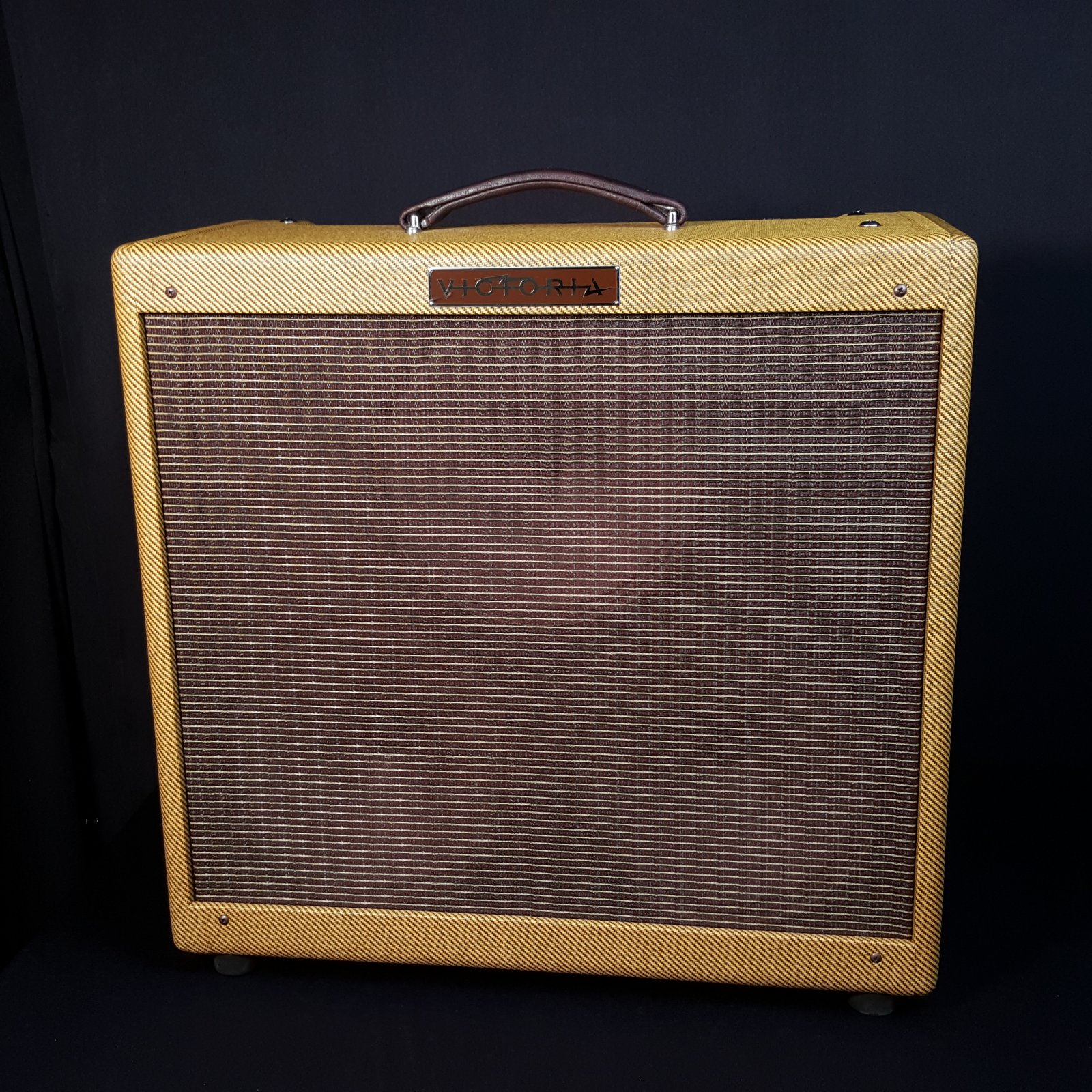 Used Victoria 35310-T Tweed Classic 3x10 Electric Guitar Amplifier w/Cover
