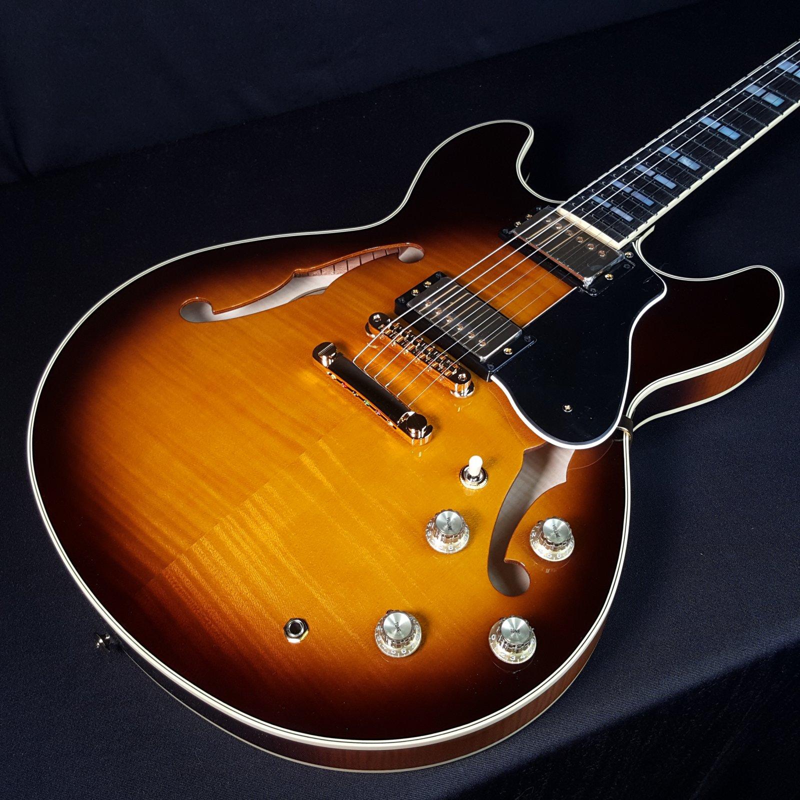 NEW Yamaha SA2200 Brown Sunburst 1QH025E Thinline Guitar With Gator Case
