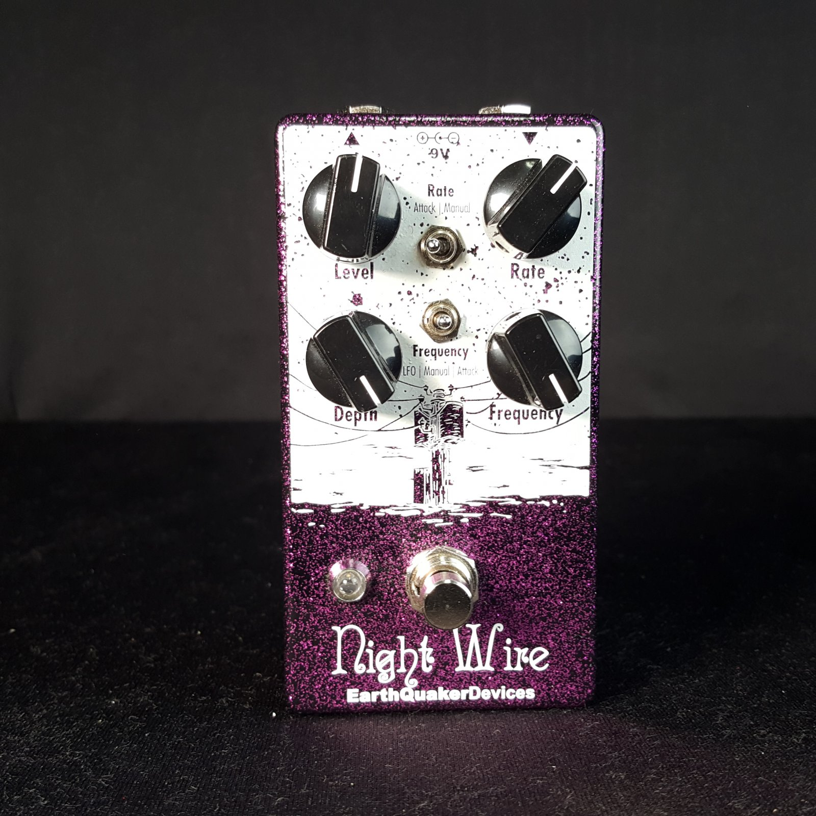 USED Earthquaker Devices Night Wire Harmonic Tremolo 2016 2018