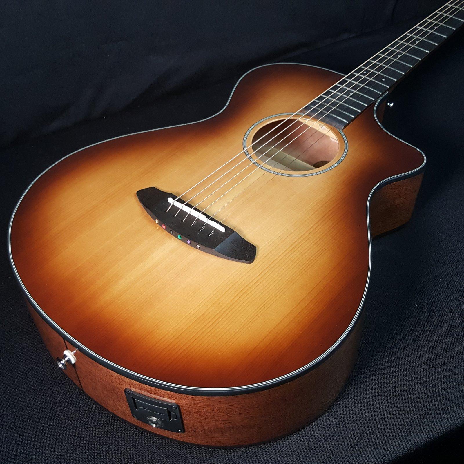 Breedlove Discovery Concertina CE Acoustic Guitar Sunburst