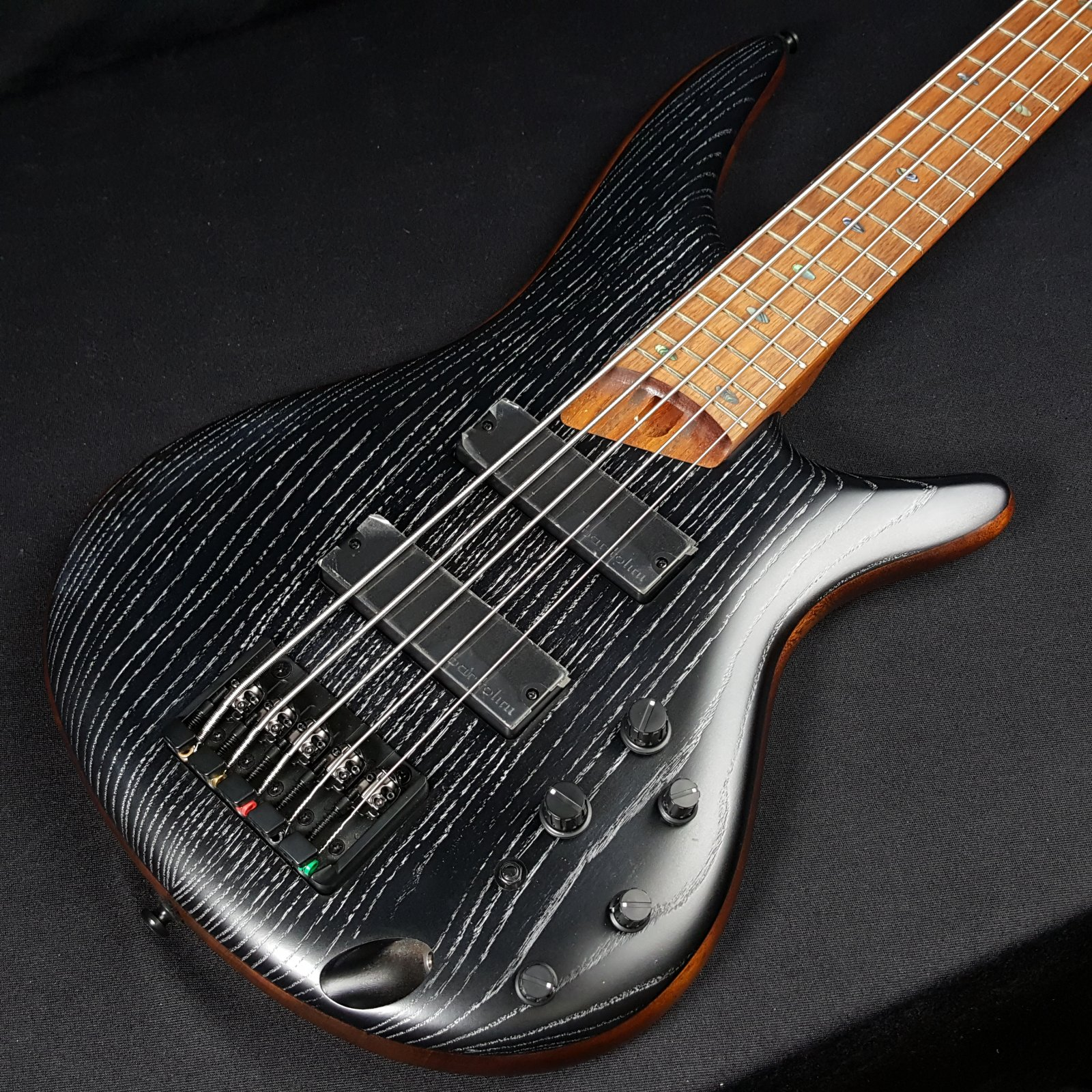 Ibanez SR675 5 String Electric Bass-Silver Wave Flat Black