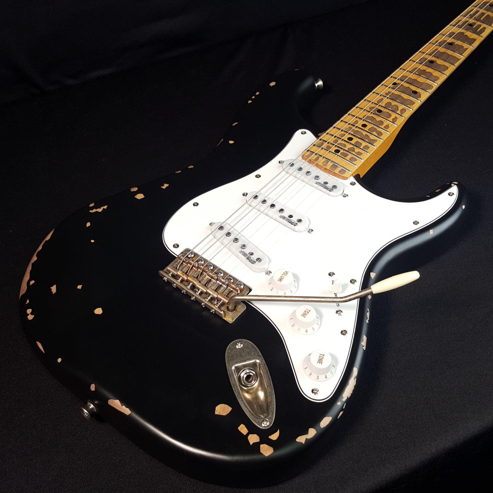 Vintage Icon Distressed V6MR Black Electric Guitar SSS