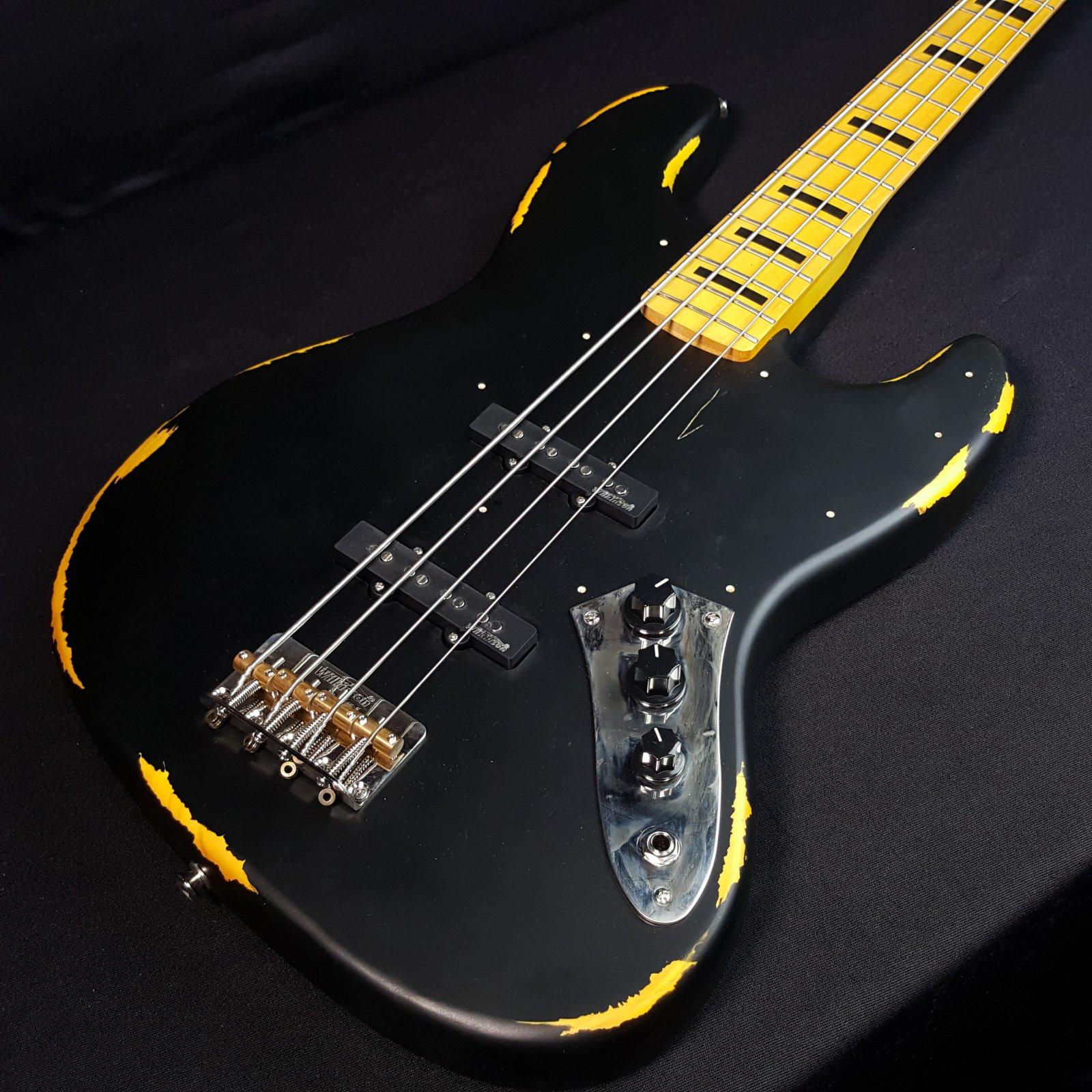 Vintage Icon Distressed VJ74MR BK Black 4 String Bass