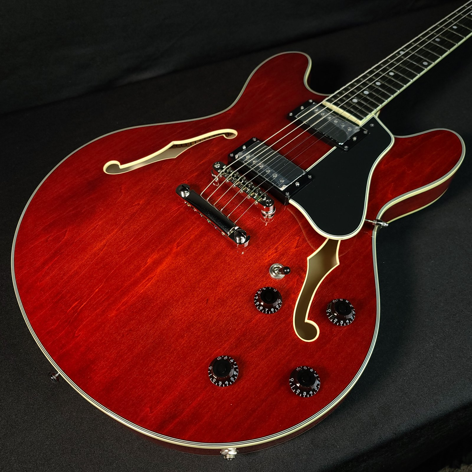 Eastman T386 Classic Semi Hollow Guitar With Case