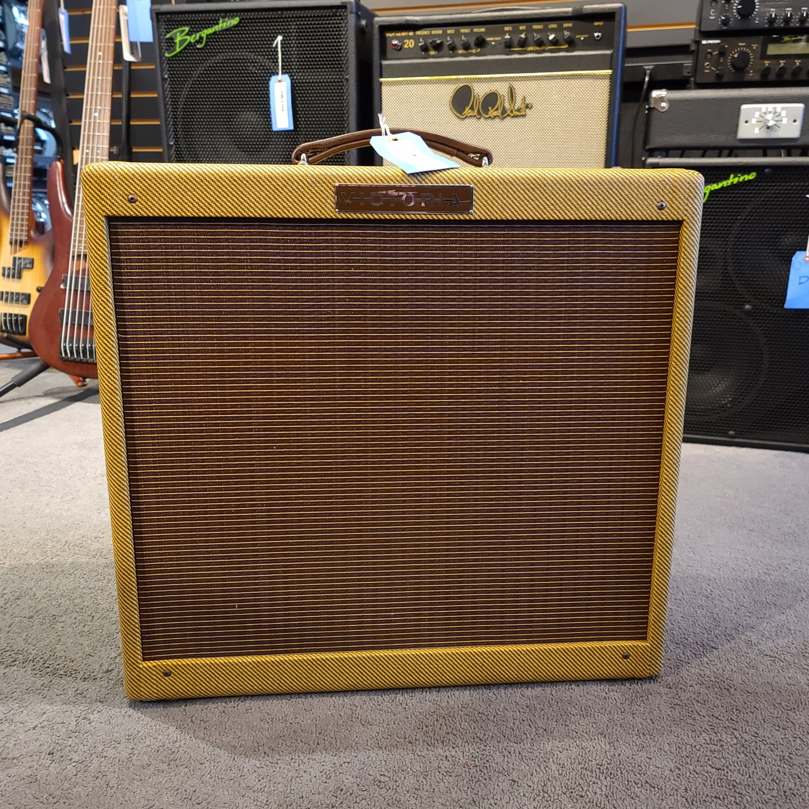 Used Victoria 35115-T Tweed Classic 1 x 15 Electric Guitar Amplifier w/Cover