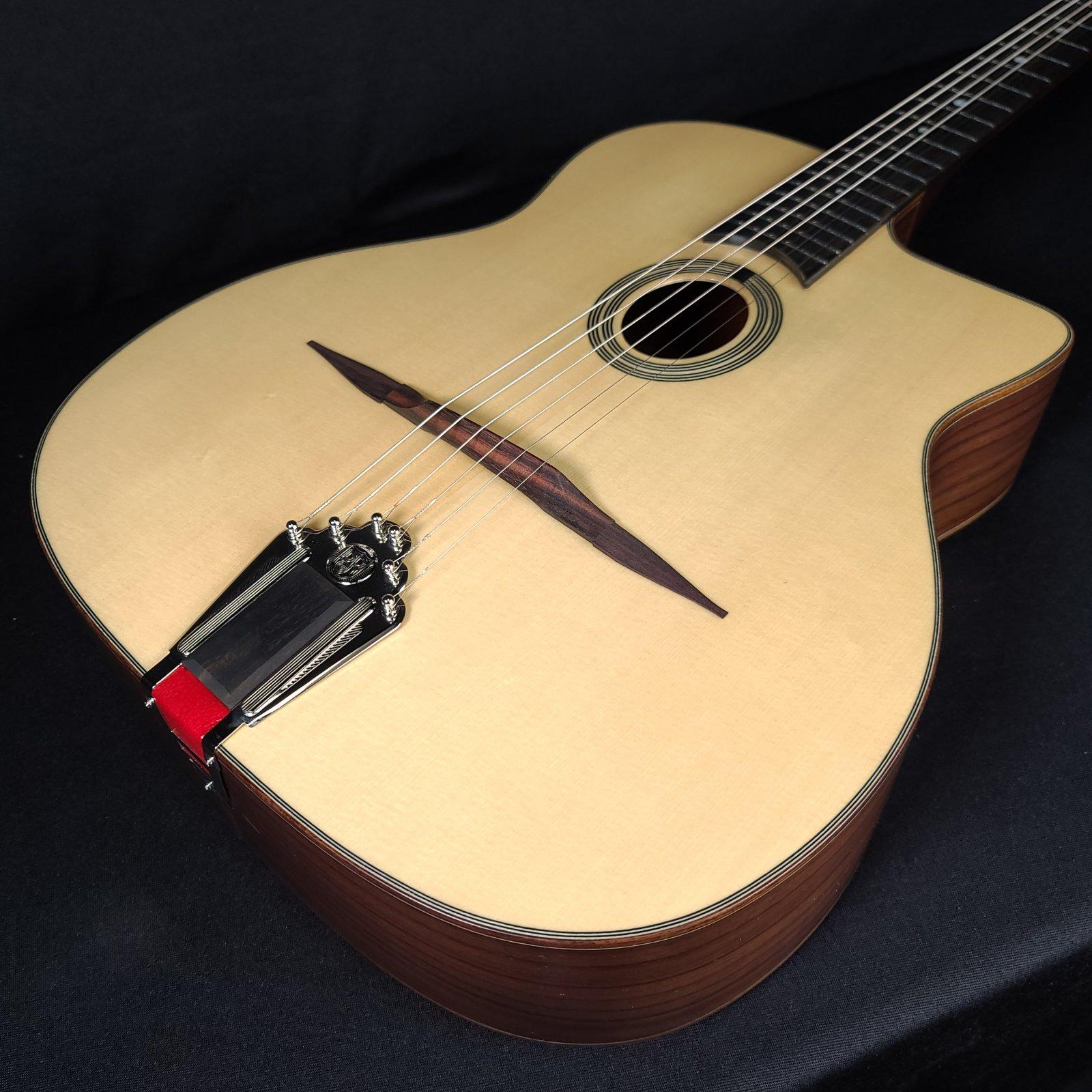 Eastman DM1 Natural Gypsy Jazz Guitar Petite Bouche w/ Gig Bag