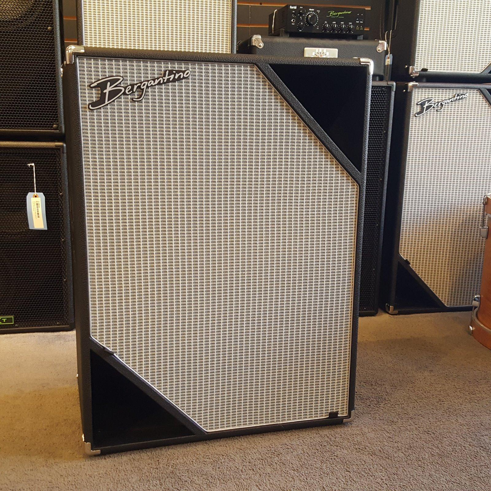 Bergantino NXV410 NXV Series 4-10 Bass Speaker Cabinet
