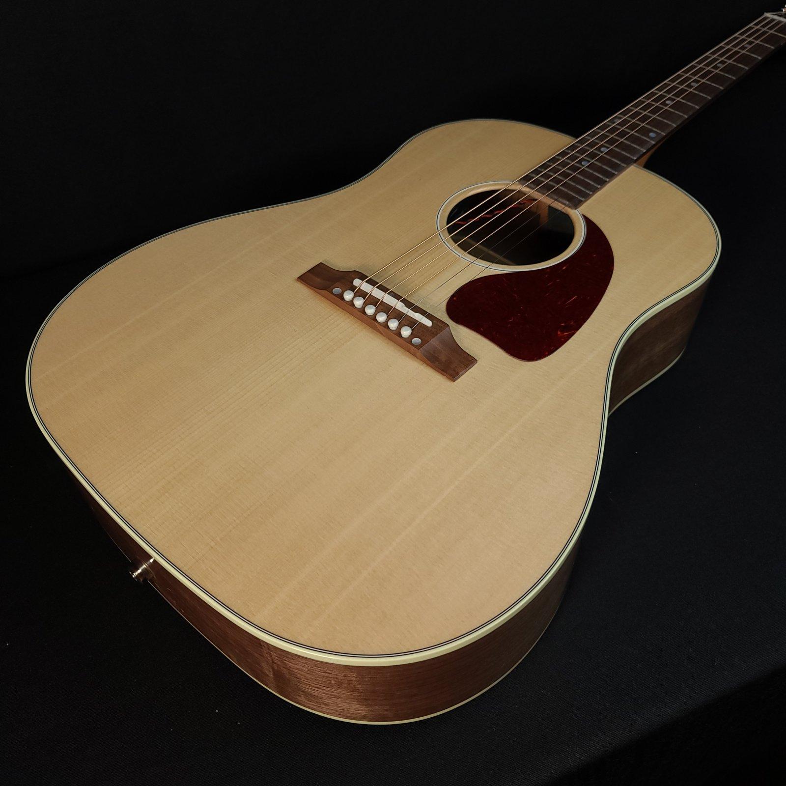 Gibson J-45 Studio Walnut Natural w/ Hard Case