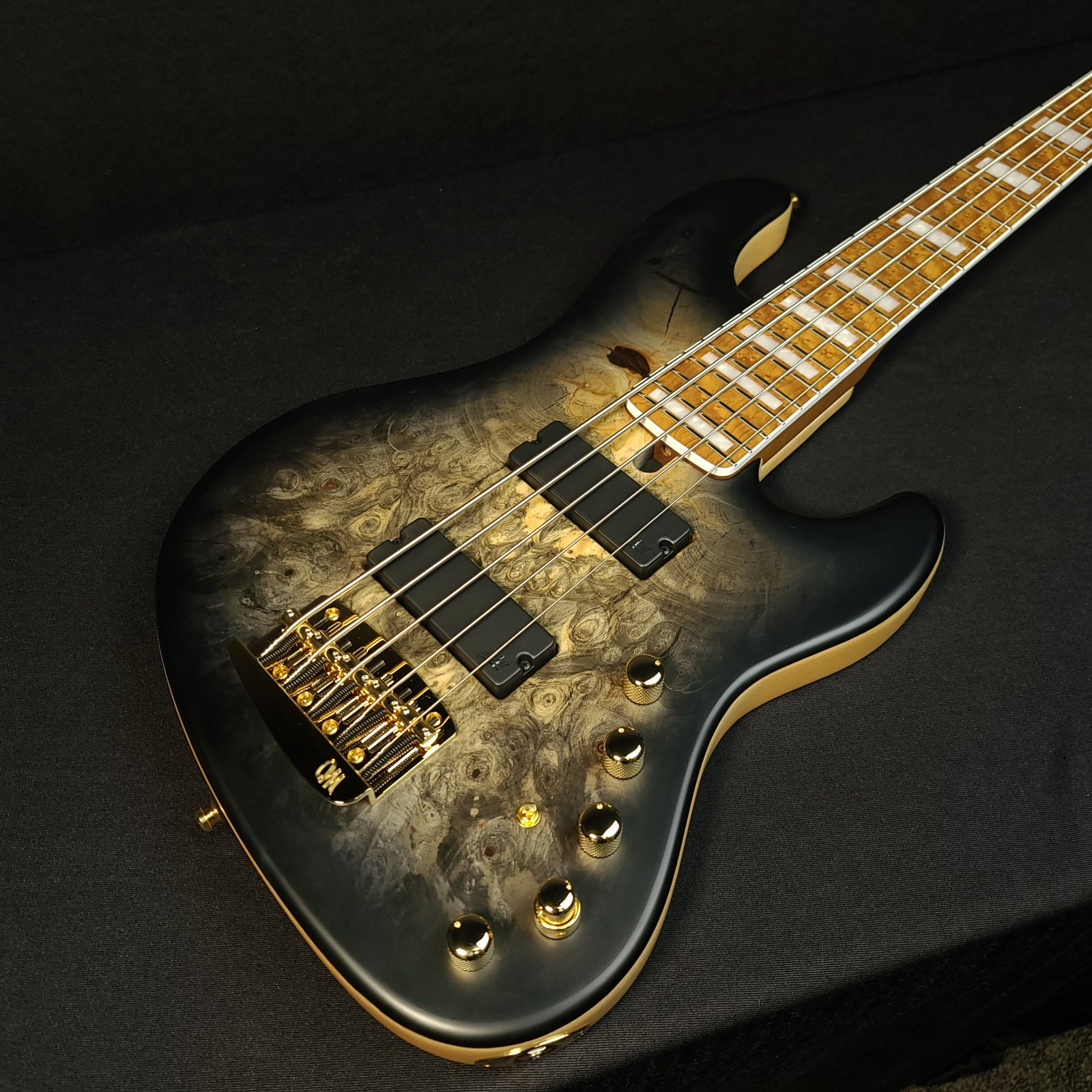 Mayones Jabba Custom BB 5 String Bass Black Buckeye Burl with Case