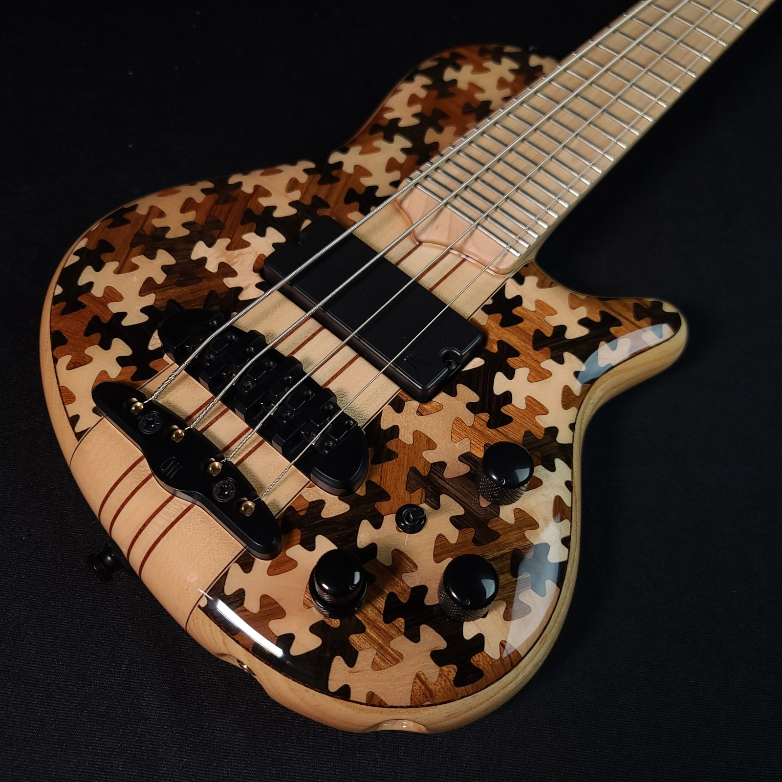 Mayones Cali 4 String Triskelion  Puzzle Bass Mini Bass with Headphone Preamp