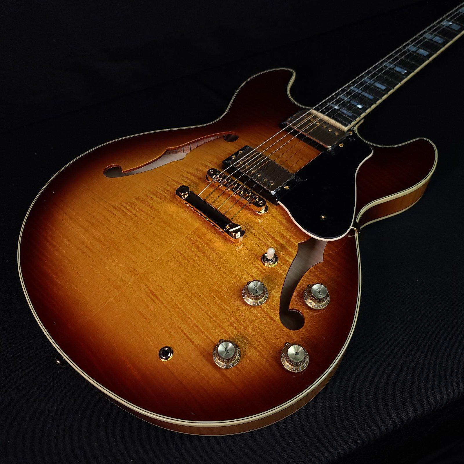 Yamaha SA2200 Violin Sunburst Thinline Guitar w/Hard Case