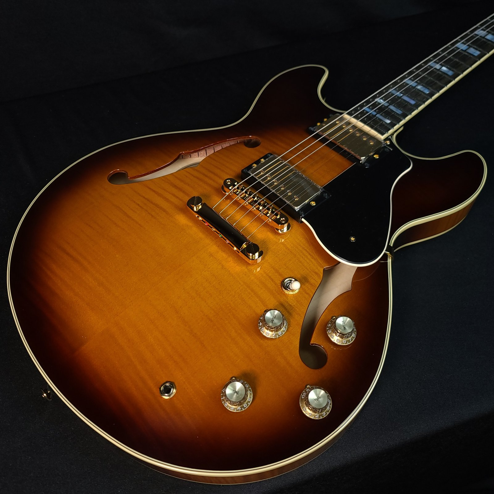 Yamaha SA2200 Brown Sunburst B-Stock Thinline Guitar