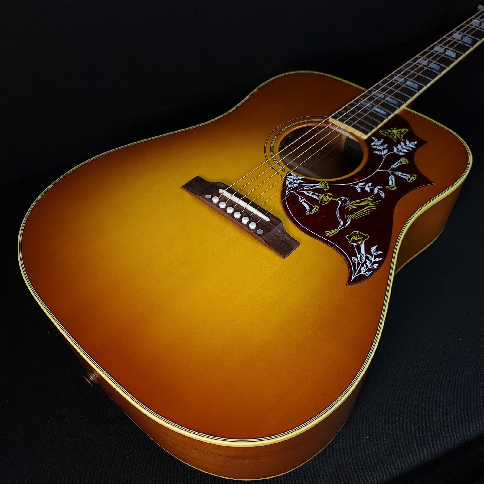 Gibson Hummingbird Original Acoustic Guitar Heritage Cherry Sunburst with Case