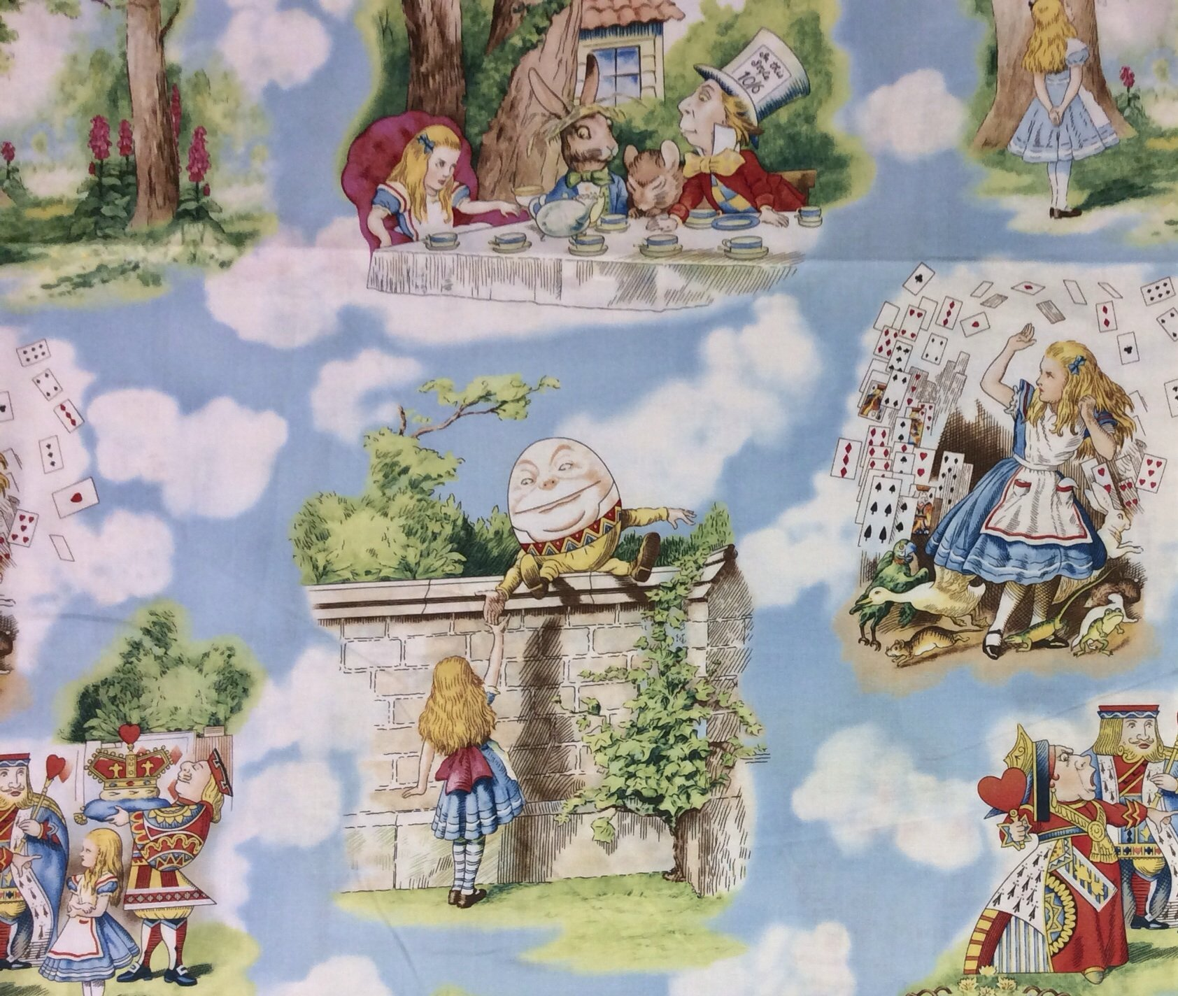 Alice In Wonderland FT61 Mad Hatter Queen Of Hearts Cat Quilting Cotton Fabric