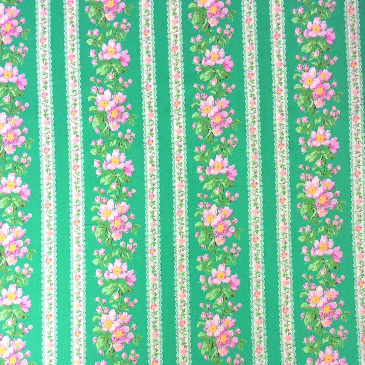 English Garden Cabbage Rose Floral French Country Cotton Quilt Fabric WE141