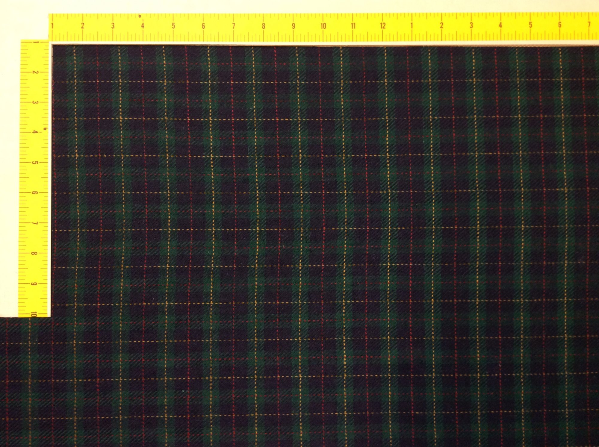 Plaid Tartan 100% wool Green Navy Red Apparel fabric Home Dec fabric NL250